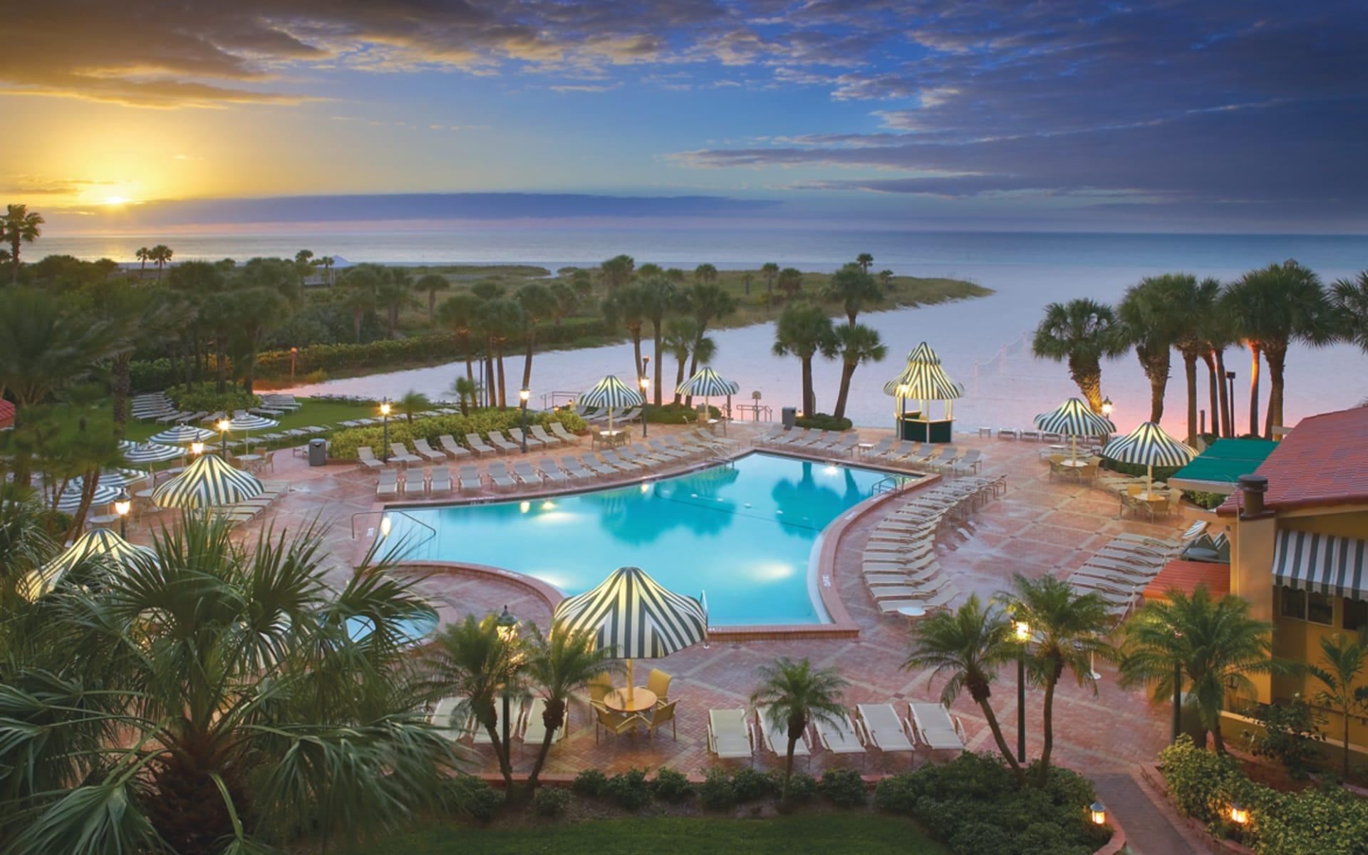 Sheraton Sand Key Resort in Clearwater Beach: pool sheraton sand key resort gartenanlage