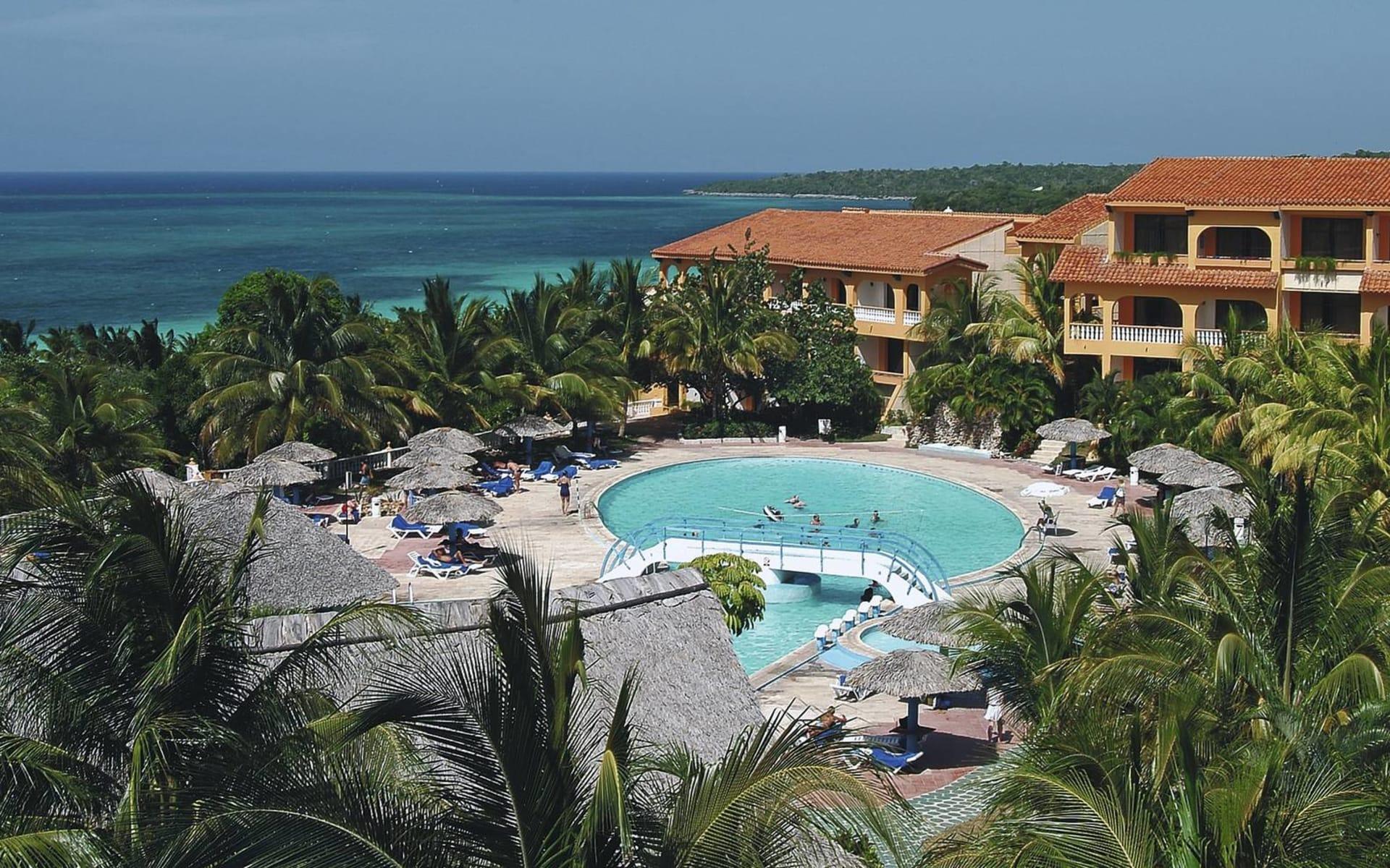 Sol Rio de Luna y Mares in Guardalavaca: pool sol rio de luna y mares pool meer hotel
