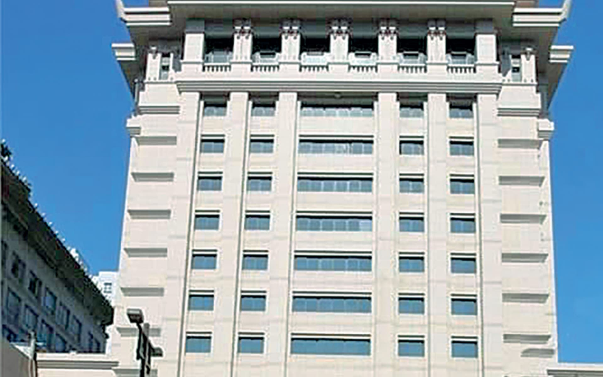 Hotel Ramada Bell Tower in Xian: Ramada-Xian-Bell-Tower-exterior