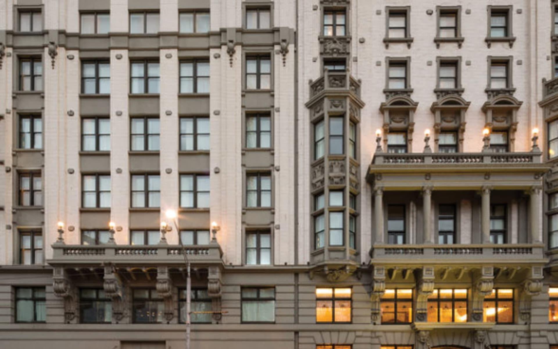 Rendezvous Hotel Melbourne: Rendezvous-hotel-melbourne-exterior-square