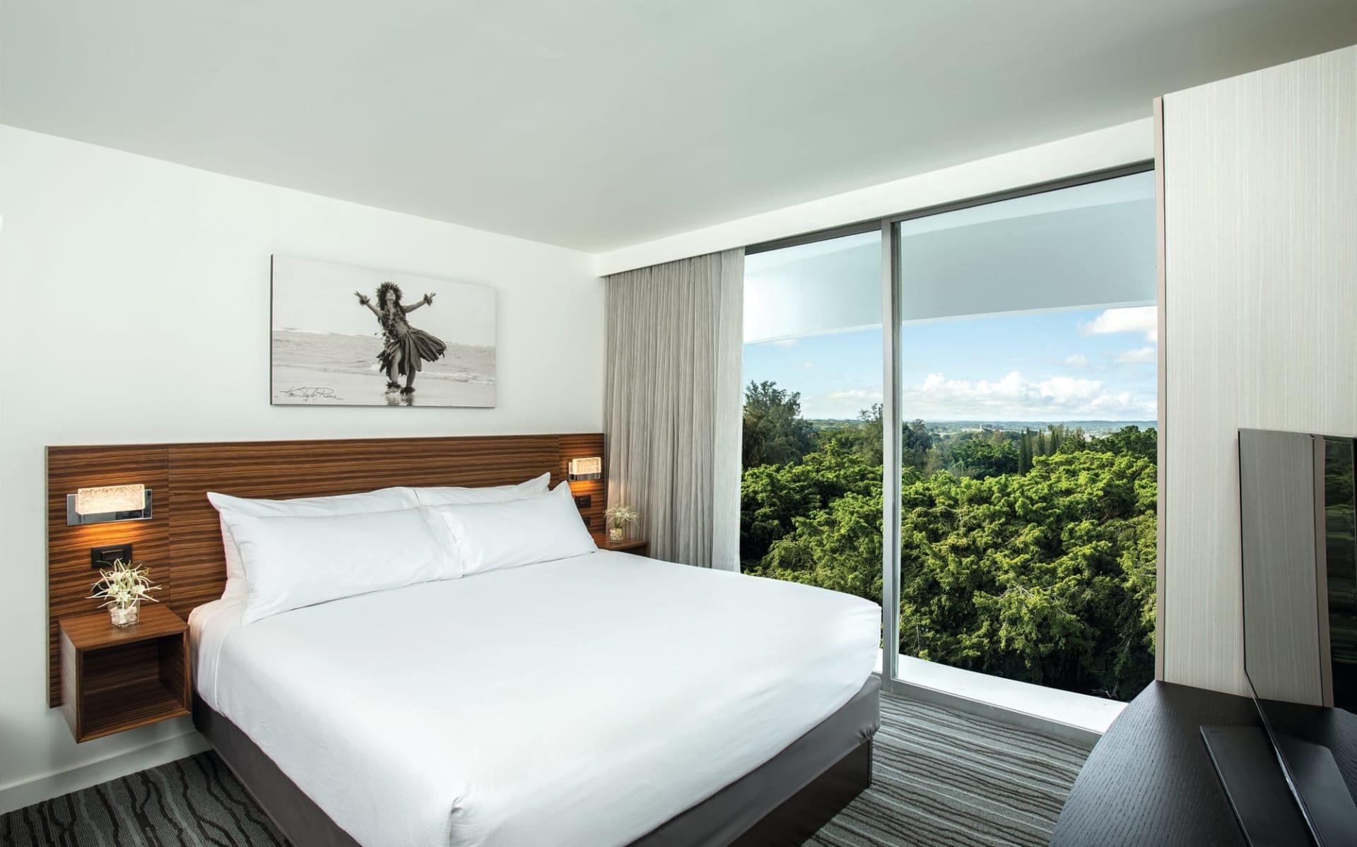 Grand Naniloa Hotel Hilo:  1 Bedroom Bay View Suite
