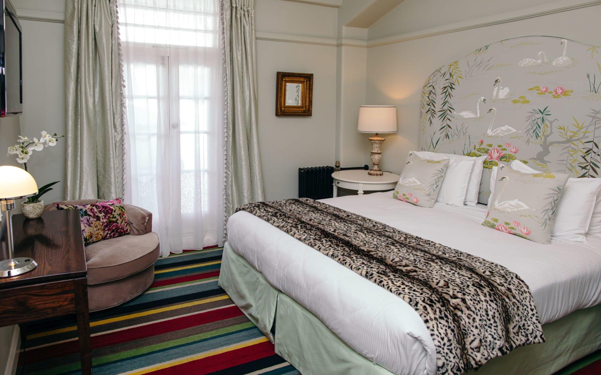 Art Deco Masonic Hotel in Napier:  Anna-Pavlova-Suite-Art-Deco-Masonic-Hotel-Rooms-May-2019-11