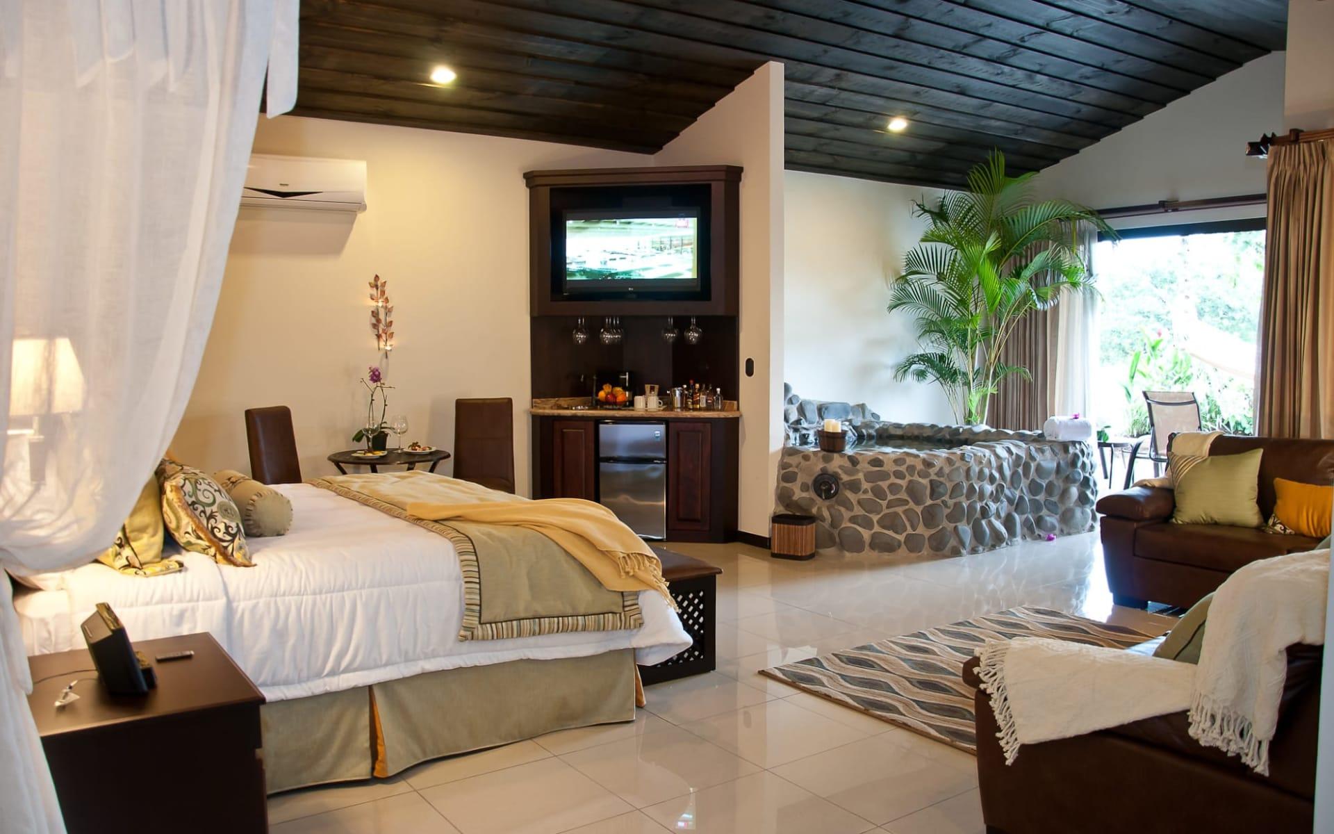 Arenal Springs Resort & Spa in La Fortuna:  Arenal Springs Master Suite