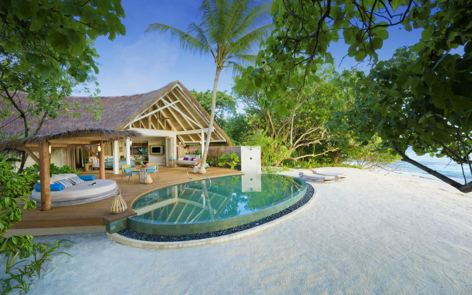 Milaidhoo Island in Baa-Atoll:  Beach Pool Villa