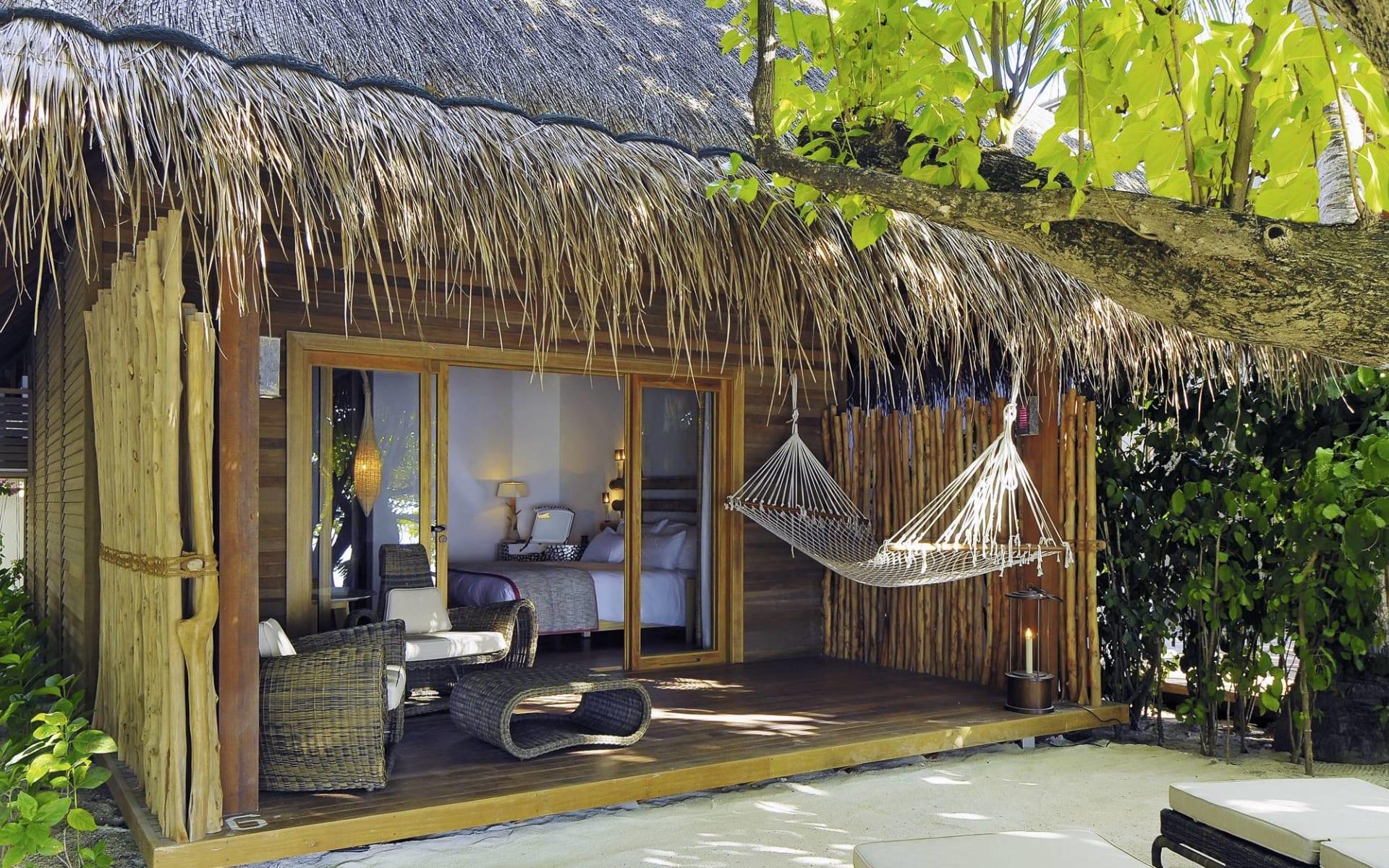 Constance Moofushi Maldives in Ari-Atoll:  Beach Villa