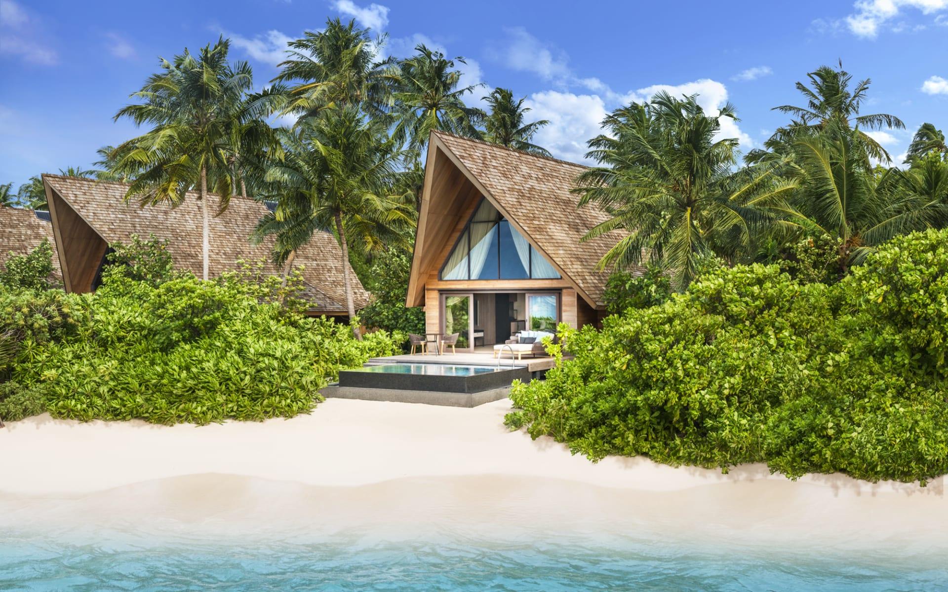 The St. Regis Maldives Vommuli Resort in Dhaalu-Atoll:  Beach Villa Pool