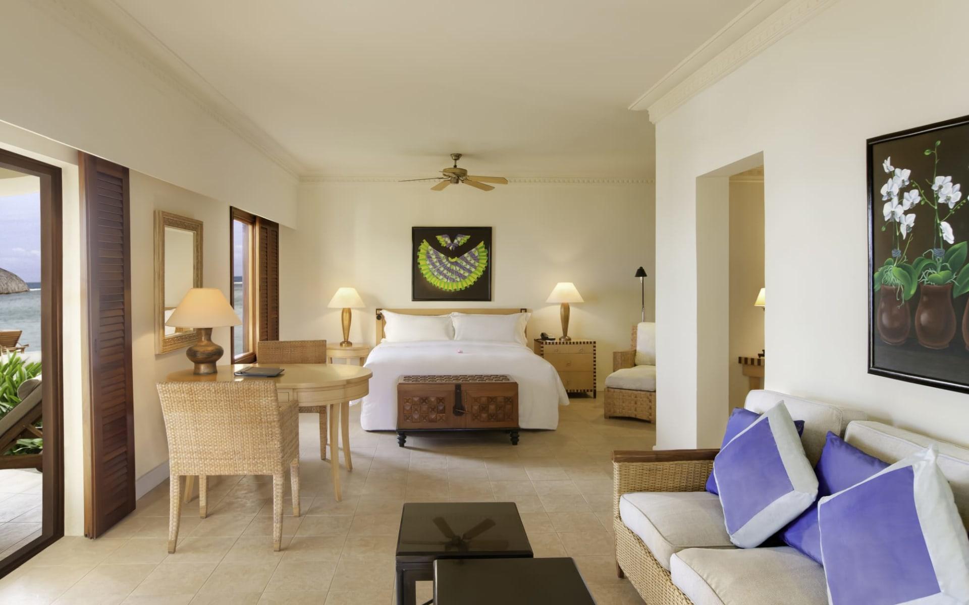 Hilton Mauritius Resort & Spa in Wolmar, Flic en Flac:  Beachfront Junior Suite