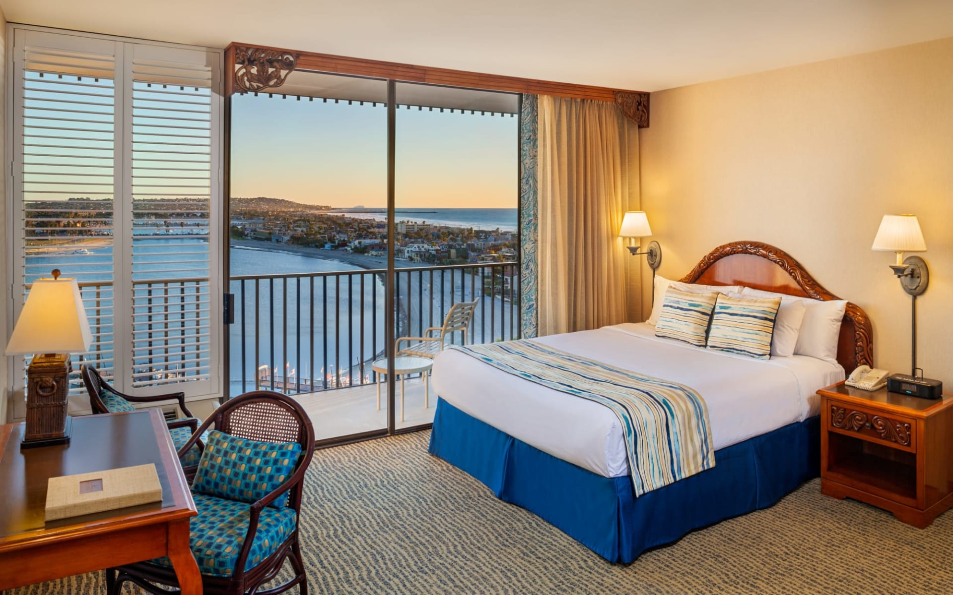 Catamaran Resort & Spa in San Diego:  Catamaran Resort - BayView_King