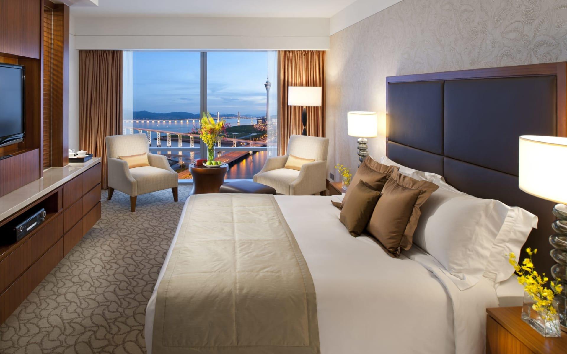 Mandarin Oriental Macau: Deluxe Lake View