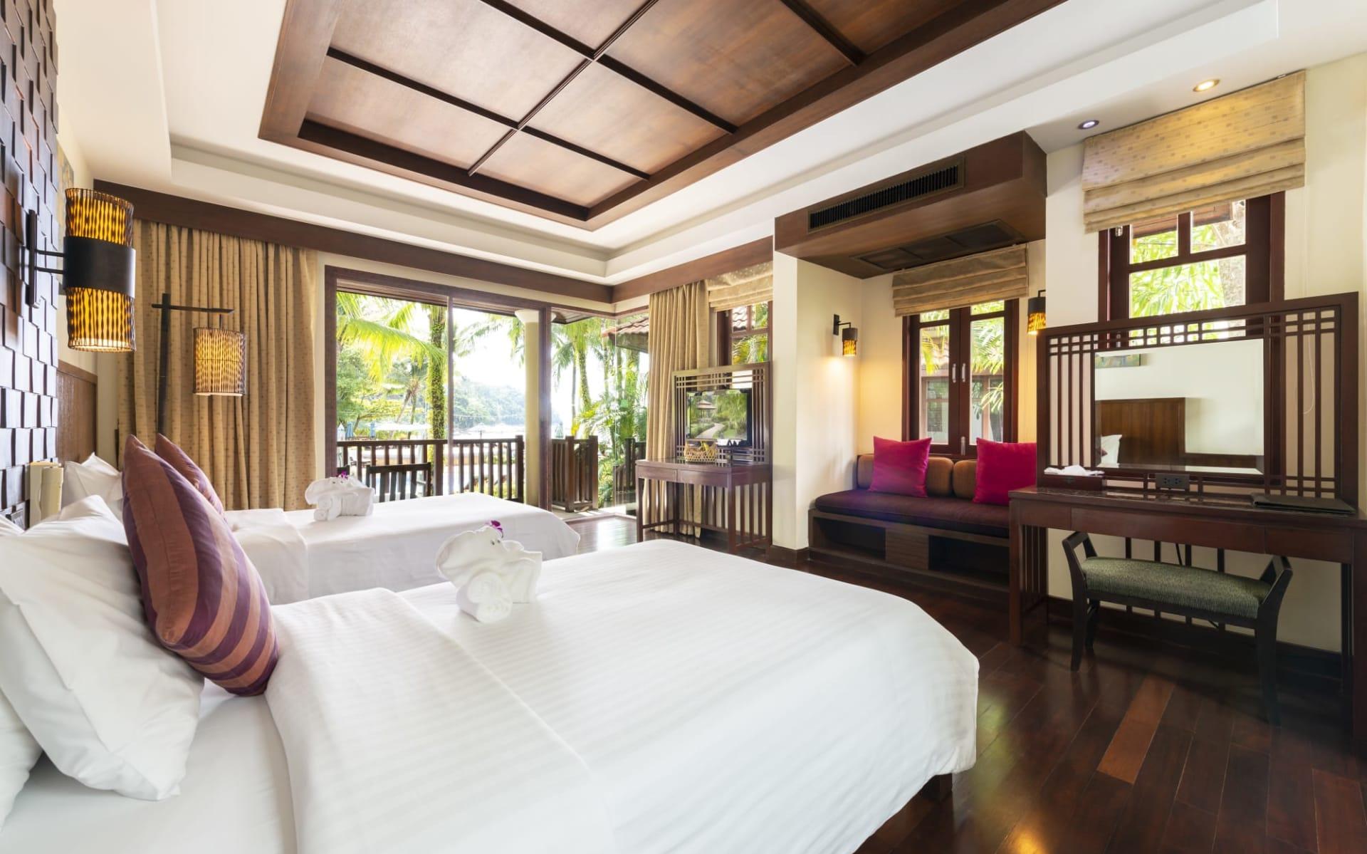 Khao Lak Bayfront Resort: Deluxe Seaside Bungalow