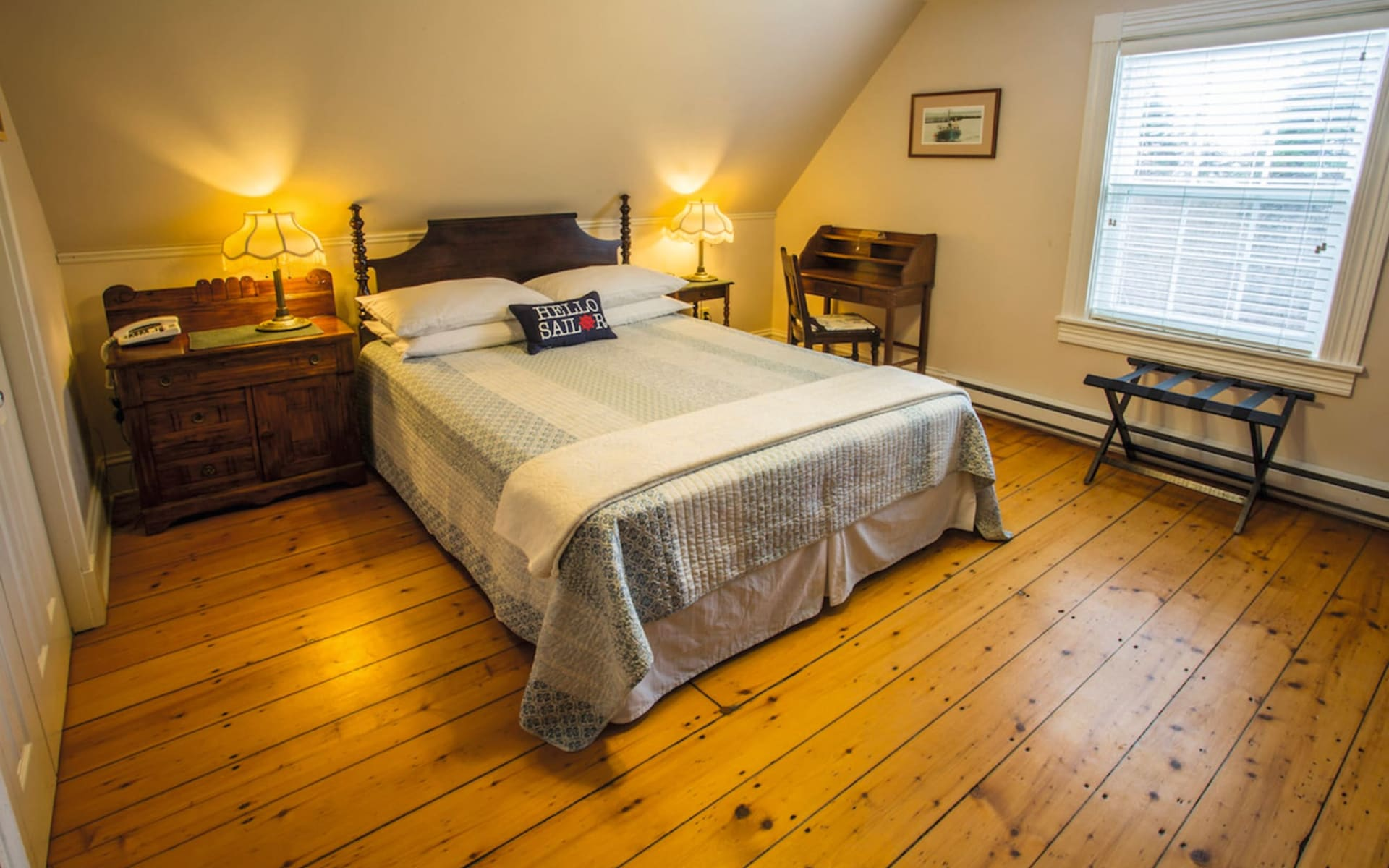 Innisfree Bed and Breakfast in Hopewell Cape:  Innisfree B&B_Hopecall Rocks_Harringto Cove Zimmer