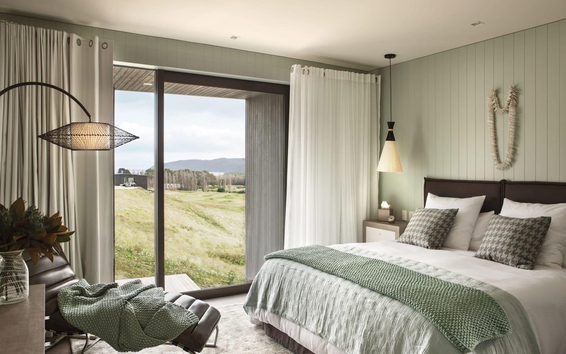 Kinloch Manor & Villas in Taupo:  Kinloch Club Lodge - 1-Bedroom Villa