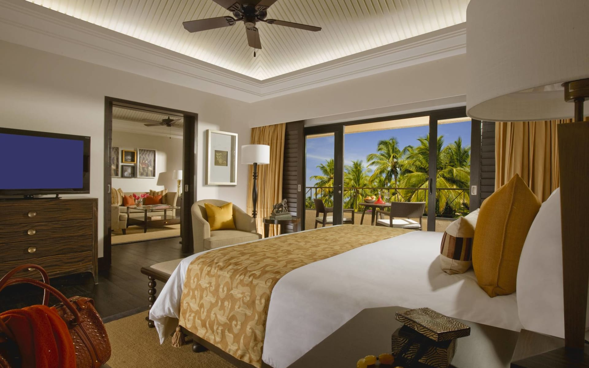 The Leela Goa: Lagoon Suite