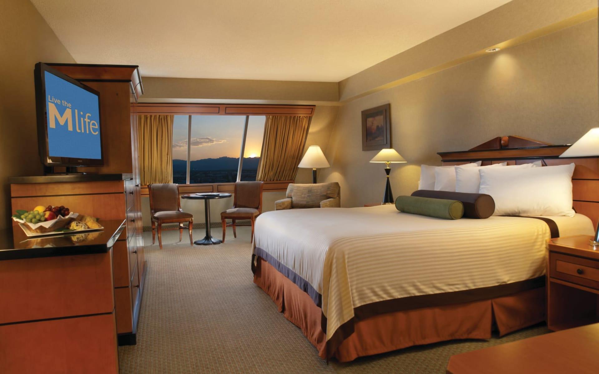 Luxor Resort & Casino in Las Vegas:  Luxor Resort - Pyramid Deluxe King Room