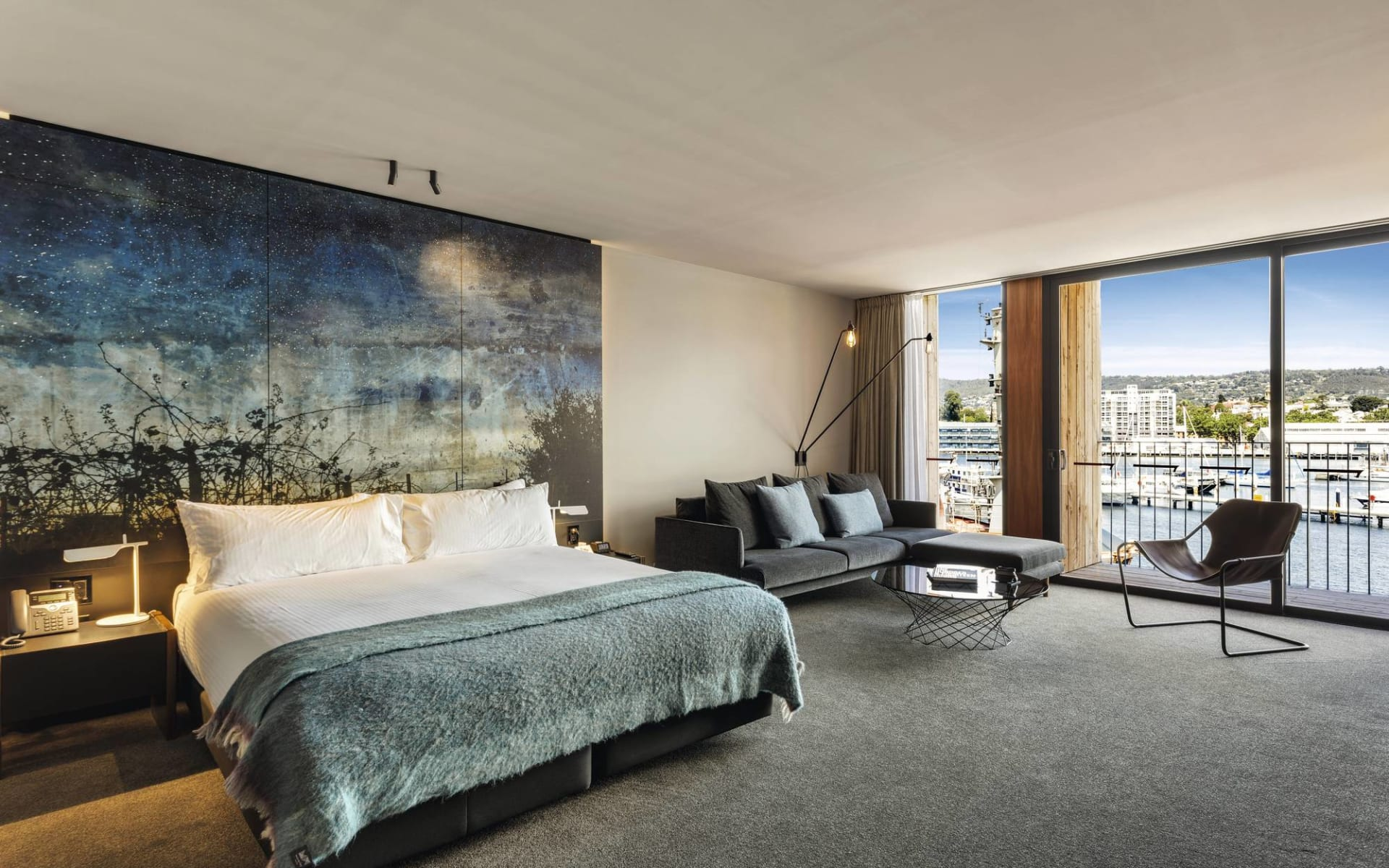 Macq 01 in Hobart:  Macq01 Hobart - Superior Waterfront Zimmer 2019