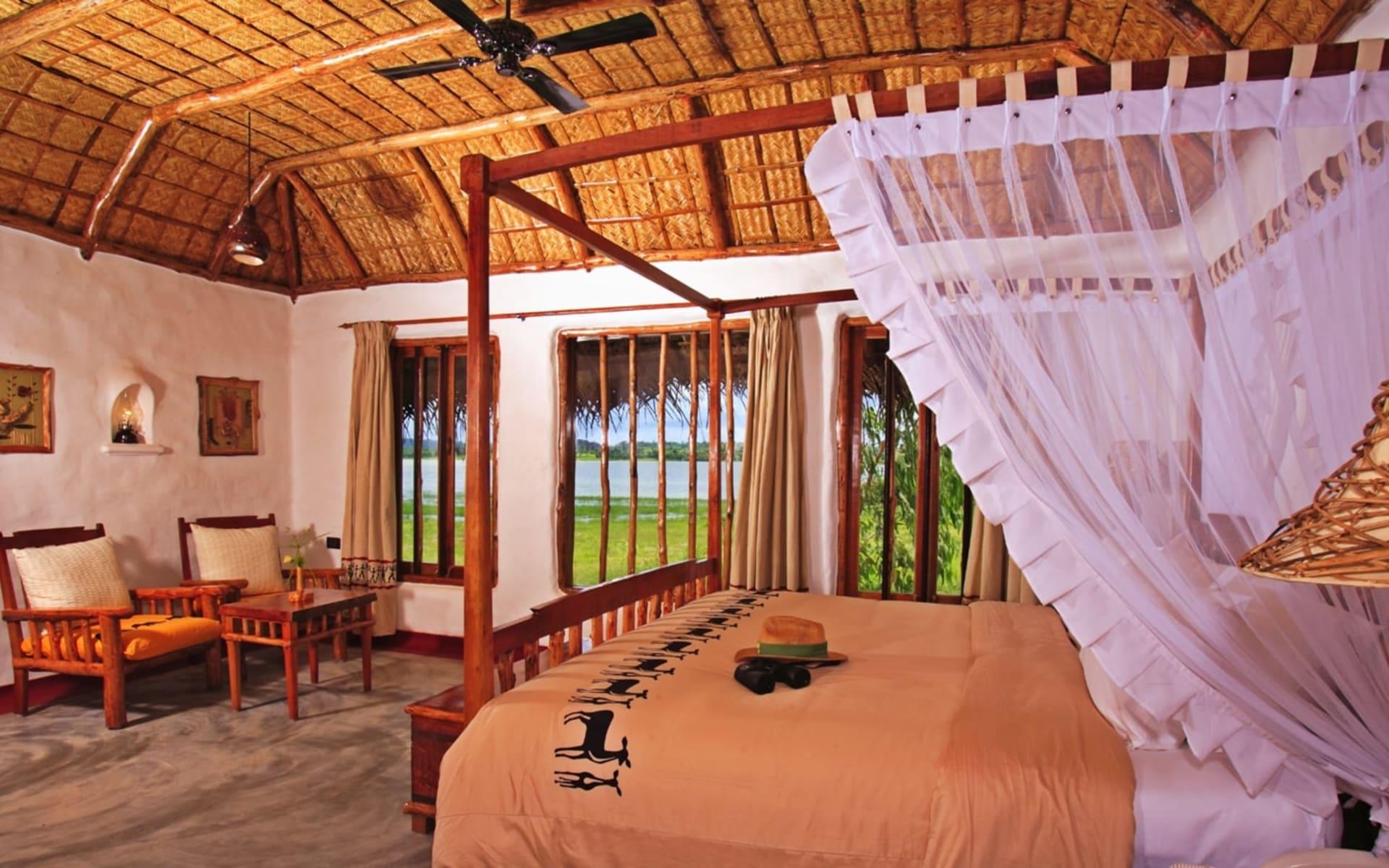 Evolve Back Kuruba Safari Lodge in Nagarhole Nationalpark: Pool Hut | Bedroom