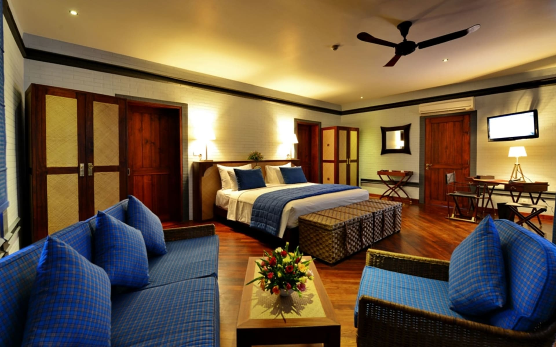 Bagan Lodge: Villa Room | King bed