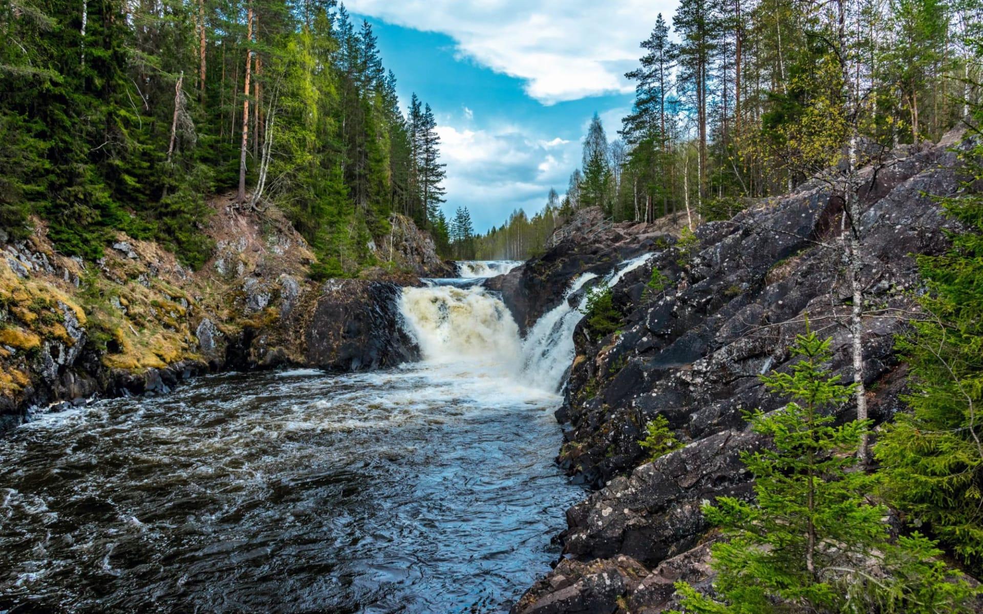 Abenteuer Karelien ab St. Petersburg: Russland_Kivach_Wasserfall_