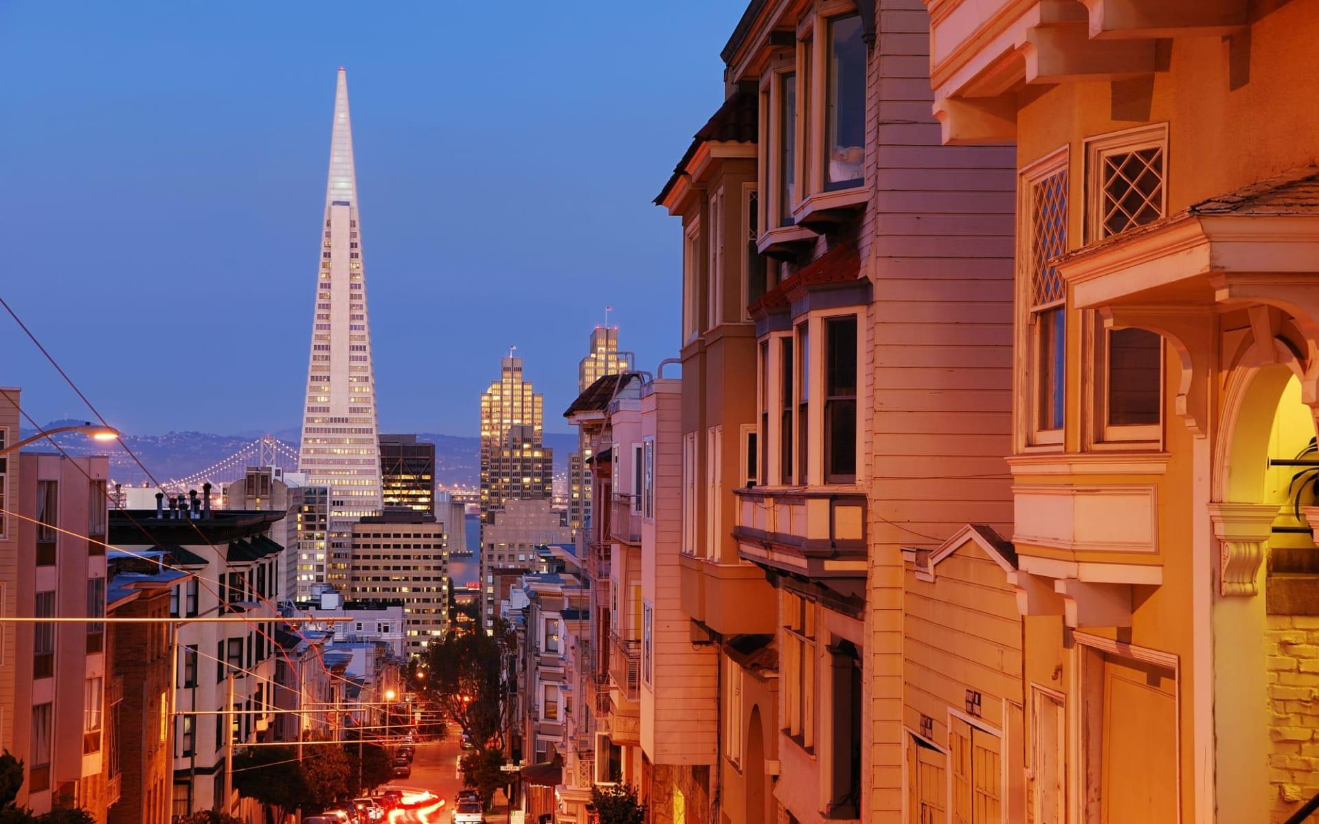 The Fairmont San Francisco Hotel: shutterstock_17119384_sanfran