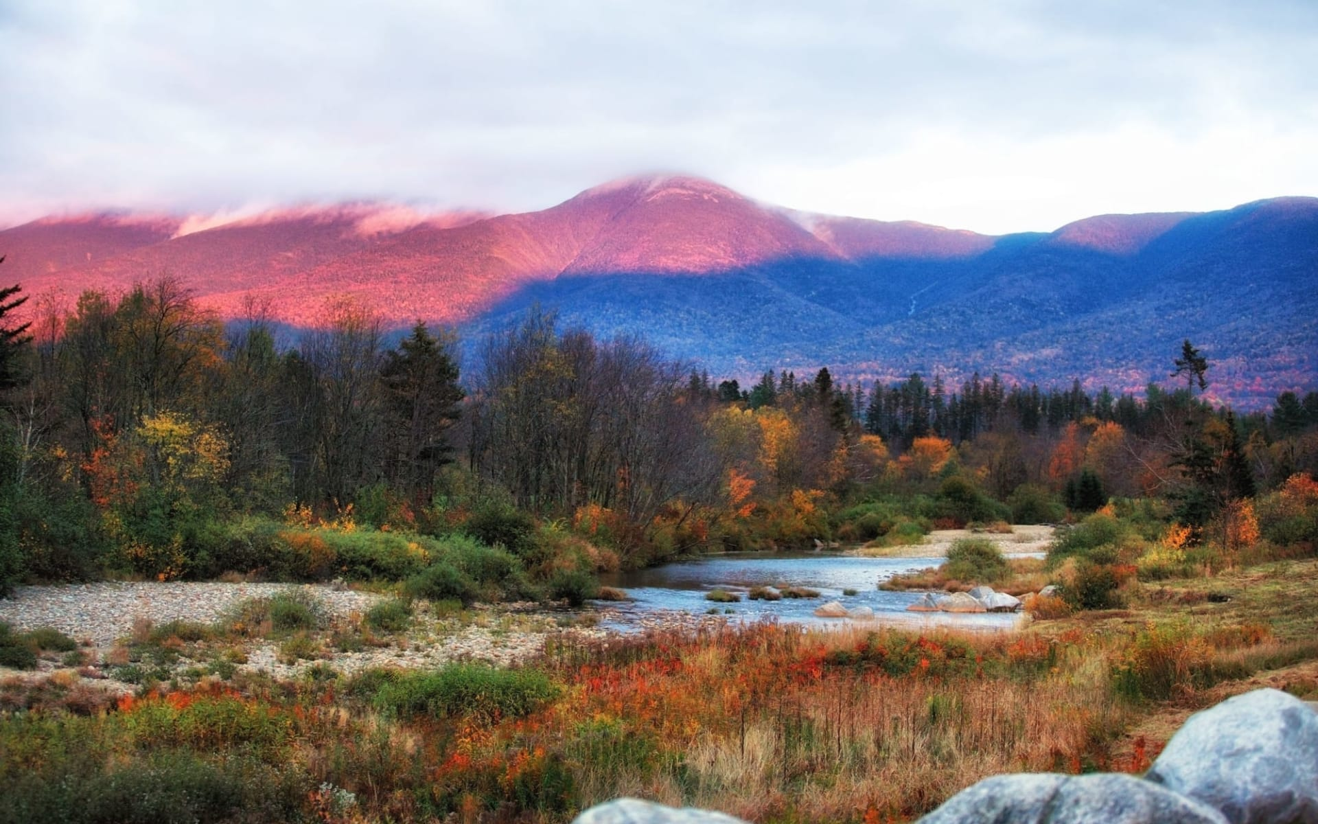 Omni Mount Washington Resort in Bretton Woods: shutterstock_616475252_newhampshire