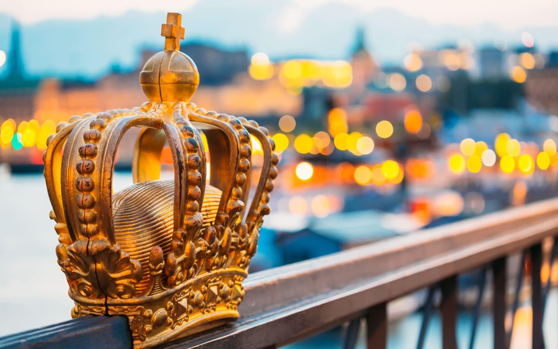 Hotel Scandic Grand Central in Stockholm: Skeppsholmsbron (Skeppsholm Bridge) mit seiner berühmten Goldenen Krone in Stockholm