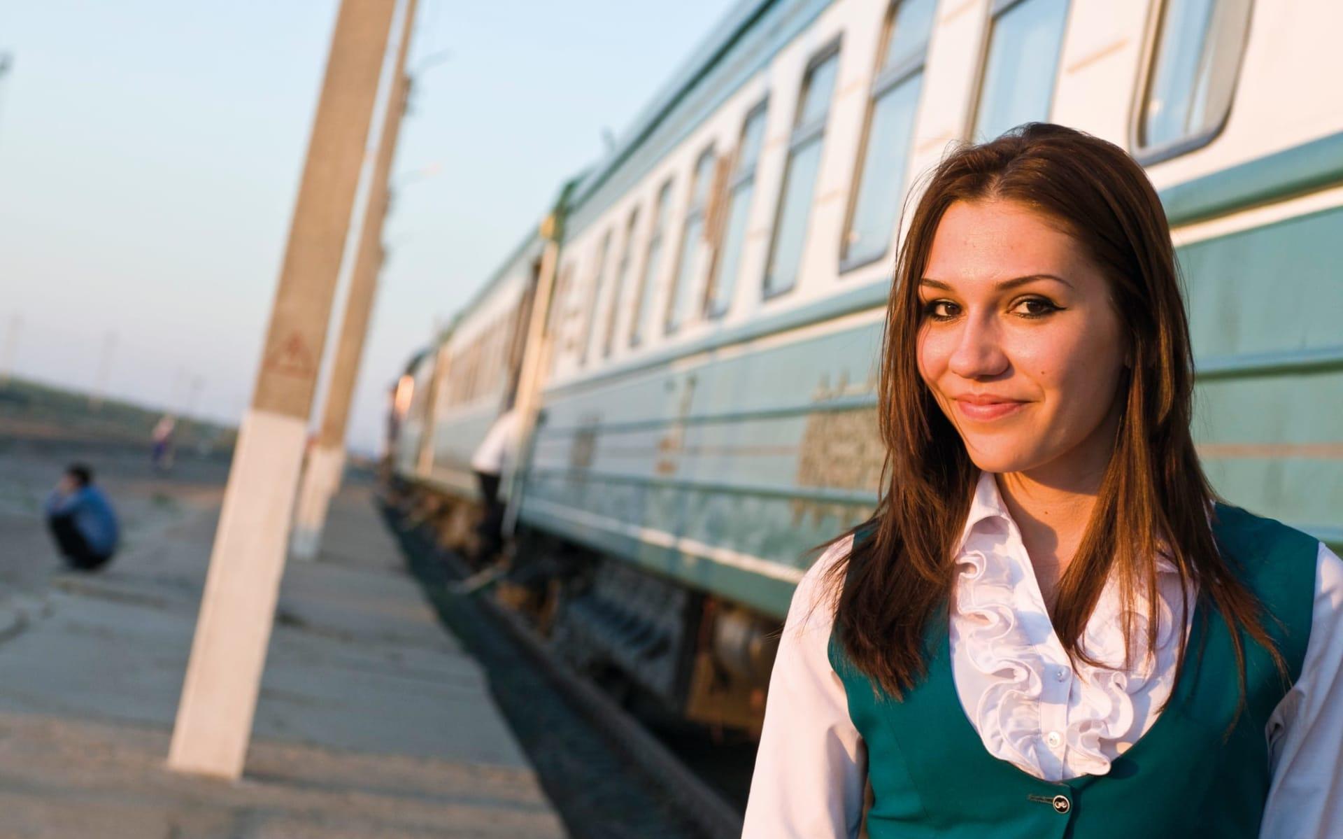 Registan - von Aschgabad nach Almaty ab Ashgabat: Sonderzug_Zentralasien_Registan_Personal