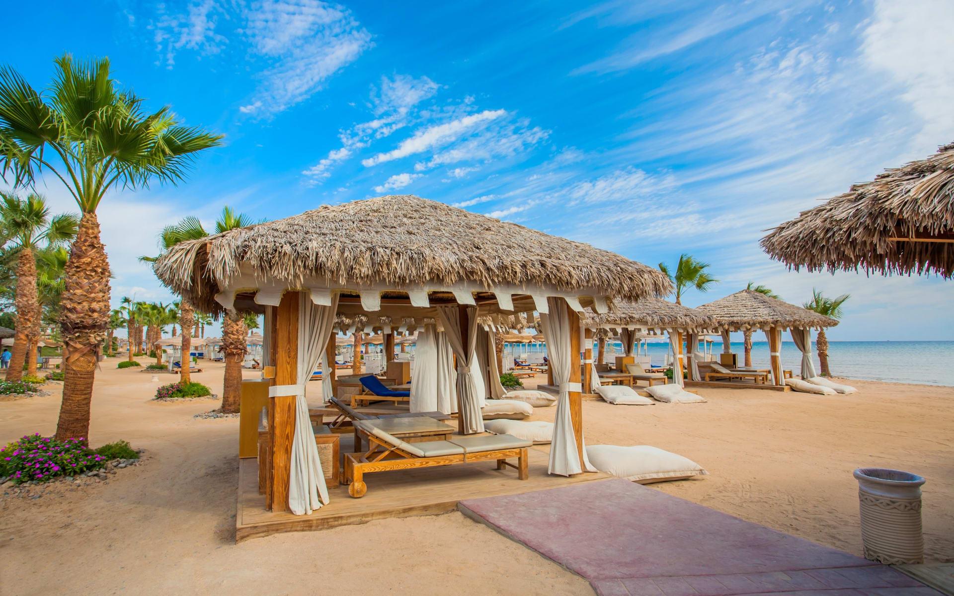 Badeferien im Steigenberger ALDAU Beach Hotel ab Hurghada: Strandhütten Hurghada