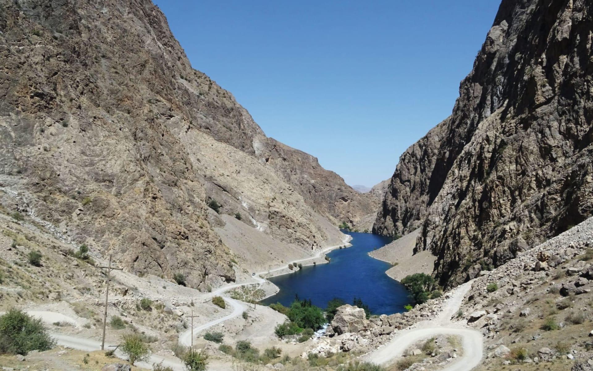 Faszinierendes Tajikistan ab Duschanbe: Tajikistan_first lake_Sonja