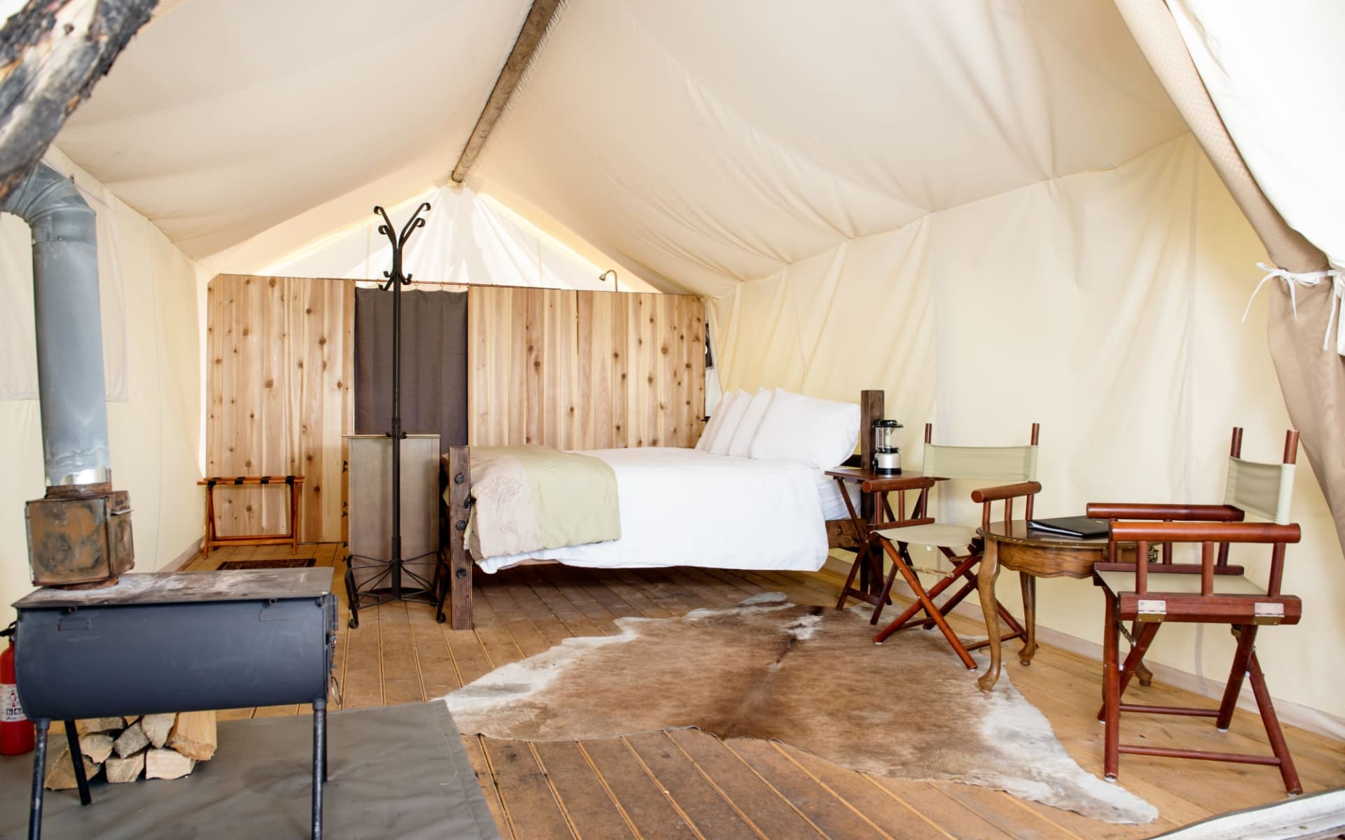 Under Canvas Yellowstone in West Yellowstone: Under Canvas Yellowstone - Deluxe Tent