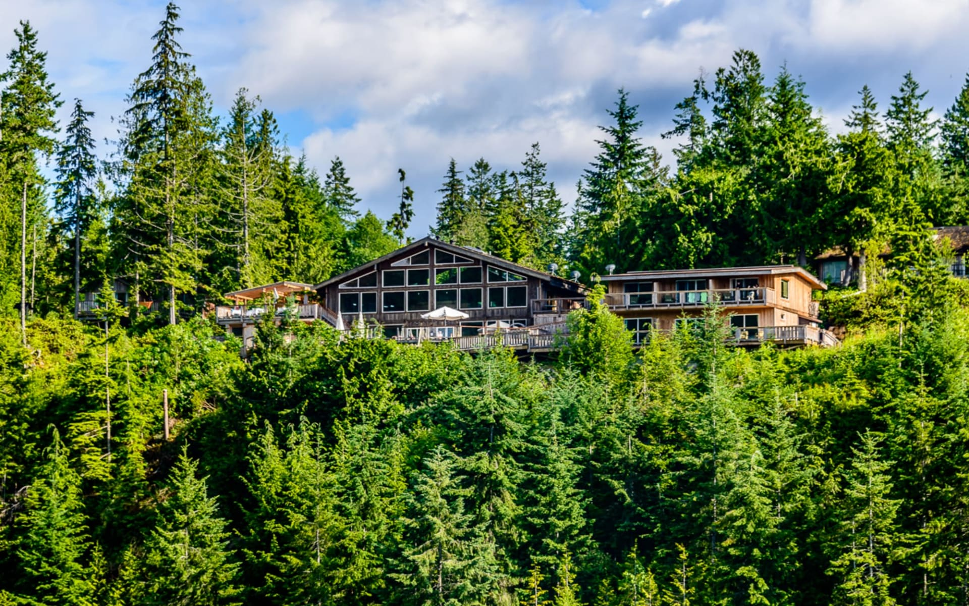 West Coast Wilderness Lodge in Egmont: YZGWW_exterior_019