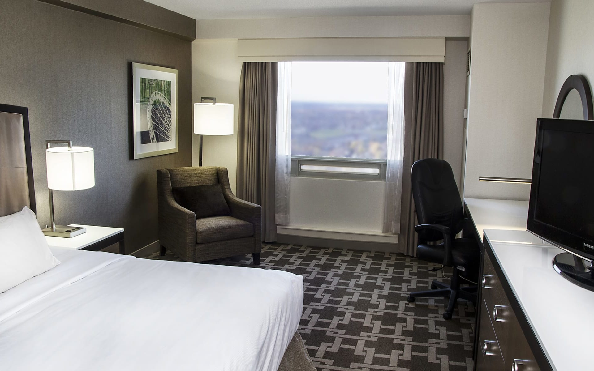 Hilton Hotel & Suites Fallsview in Niagara Falls: zimmer_Hilton Hotel & Suites Fallsview_CityviewRoomKingBed