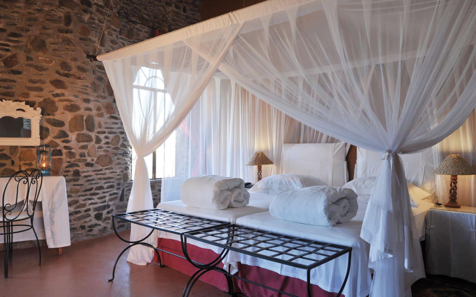 Le Mirage Resort & Spa in Sesriem: Zimmer Le Mirage Desert Lodge & Spa Queenbed