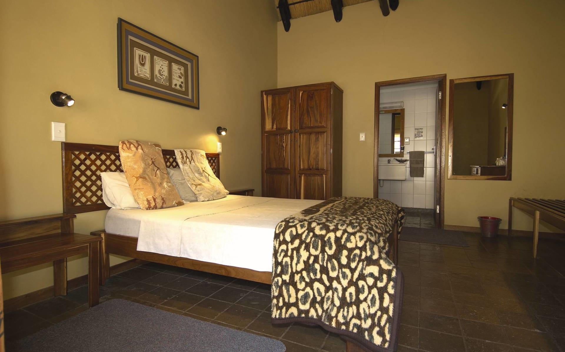 Twyfelfontein Country Lodge in Twyfelfontein Region: Zimmer Twyfelfontein Country Lodge Queenbed