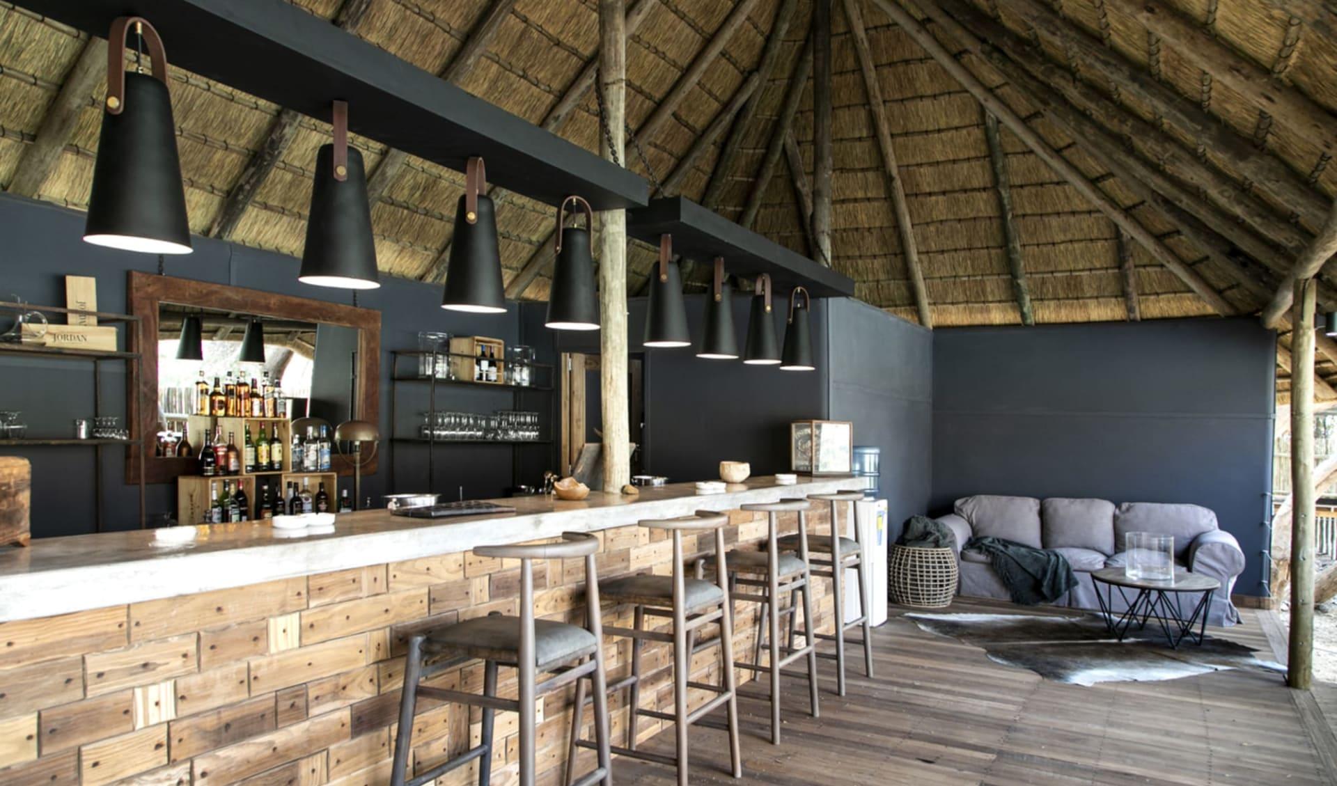 Serra Cafema in Kaokoveld: 1 exterior: Lodge_Bar_SerraCafema_TCunniffe_390