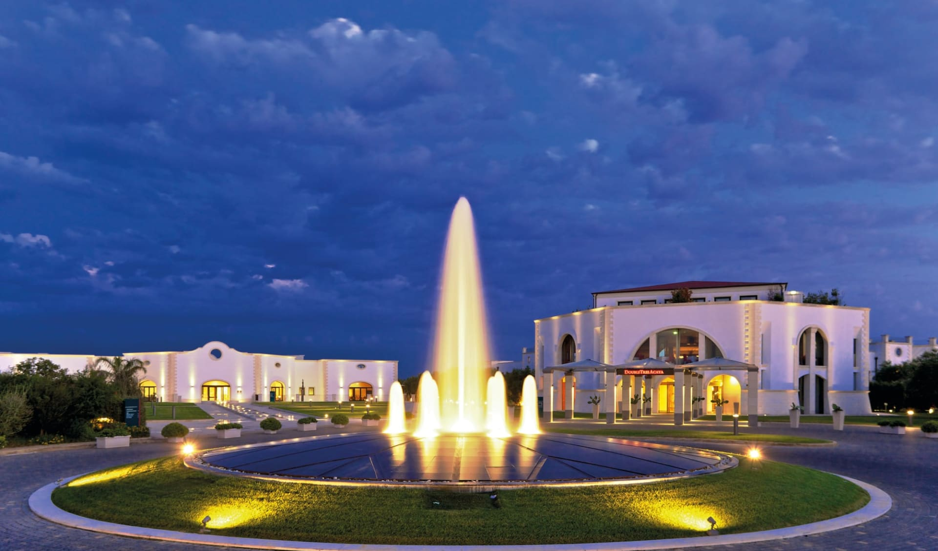17.04. - 24.04.2022 Golf & Kultur in Apulien ab Brindisi: Acaya-Golf-Resort_Main-Entrance_IAGTO