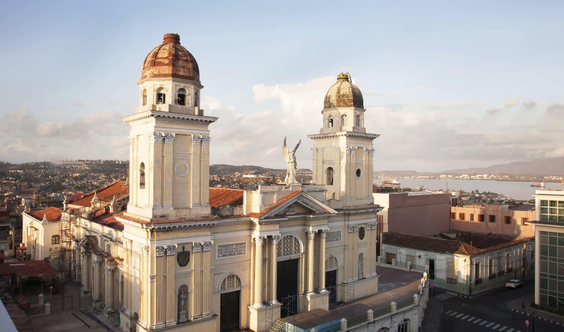 Melia Santiago in Santiago de Cuba:  Stadt Santiago de Cuba - Kuba Kirche C