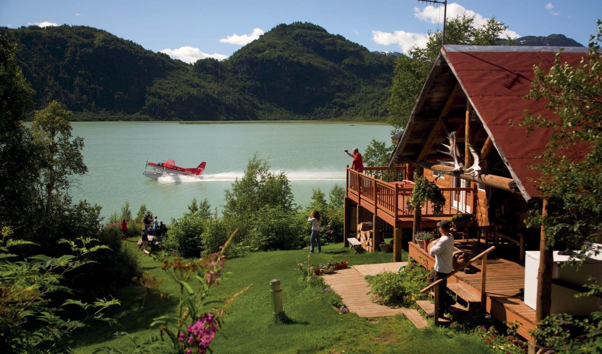 Redoubt Bay Lodge: Alaska - Redoubt Bay Lodge - Hauptgebäude