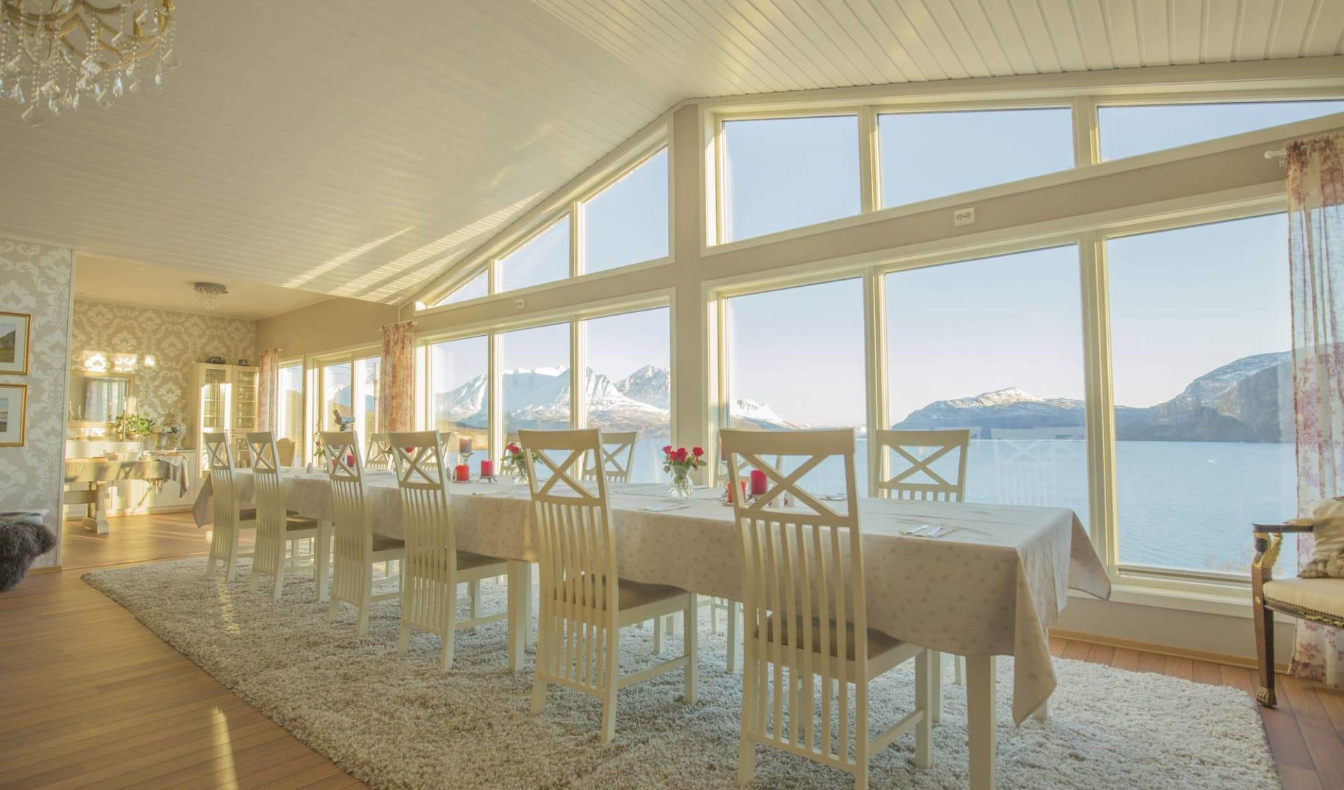 Reif für die Insel ab Tromsö: Arctic Panorama Lodge