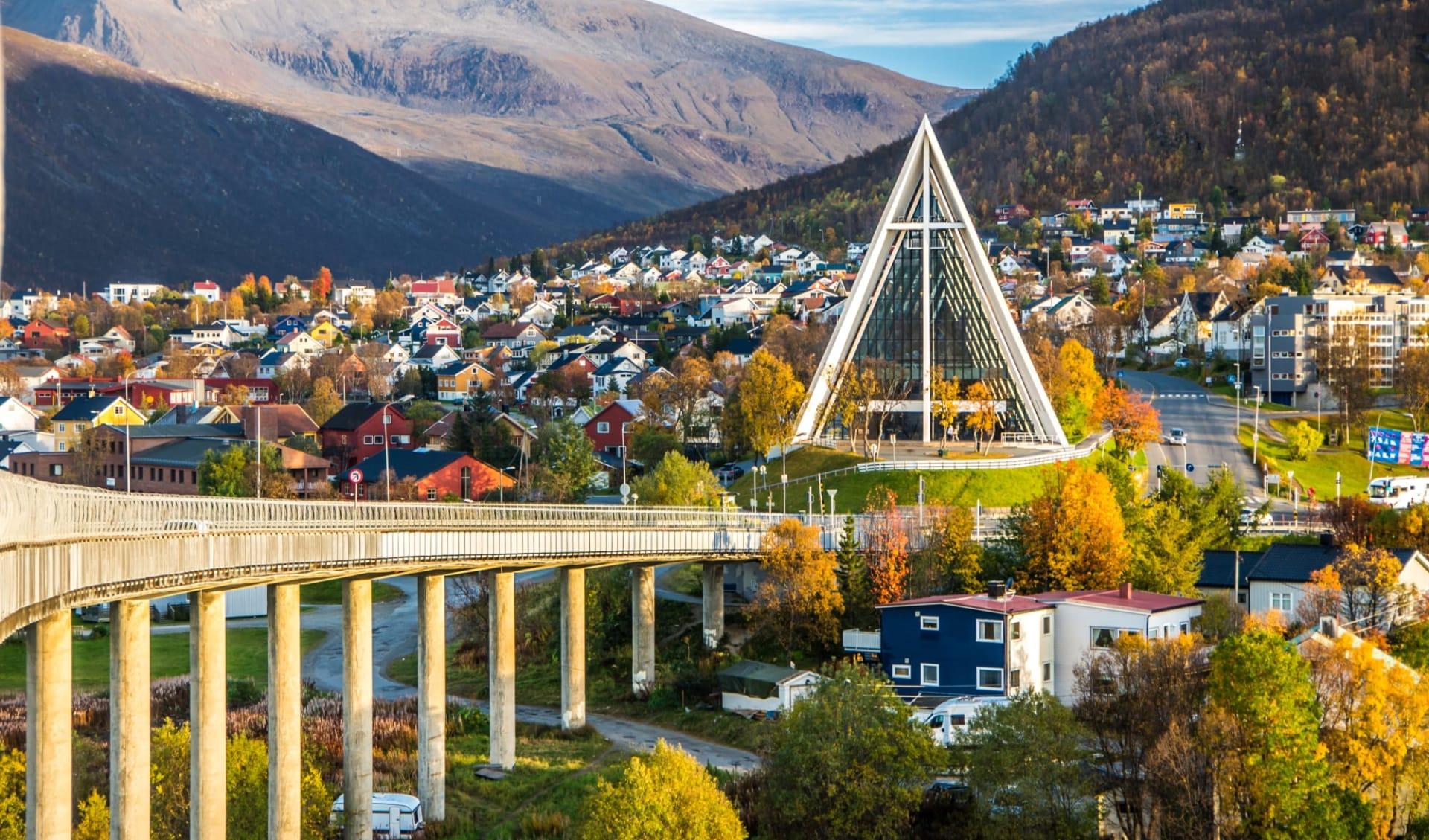 Clarion Edge in Tromsö: Arktische Kathedrale in Tromso City im Norden