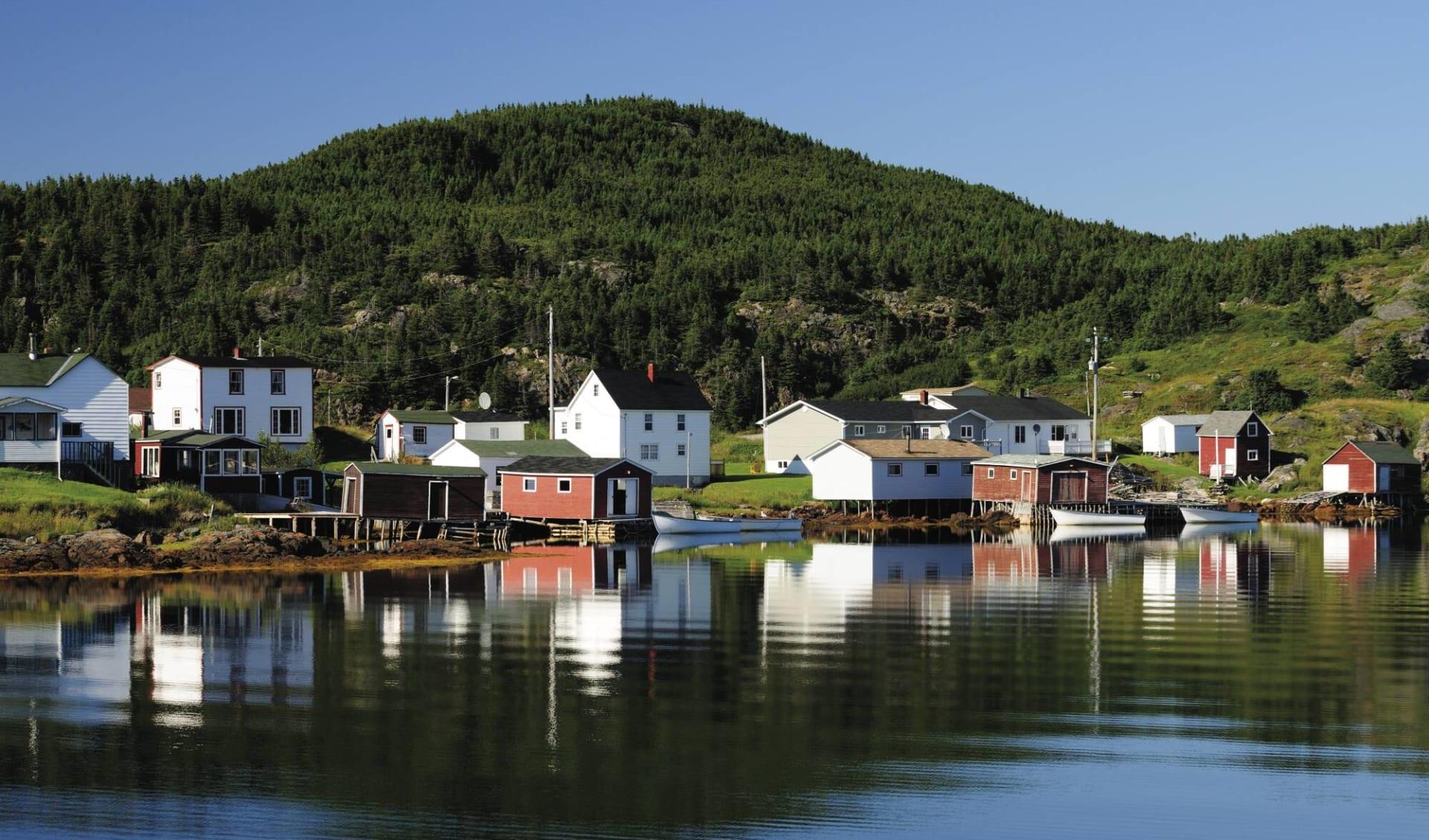 Eisberge, Wikinger und Nationalparks ab Halifax: Atlantikküste - Neufundland - Fischerdorf