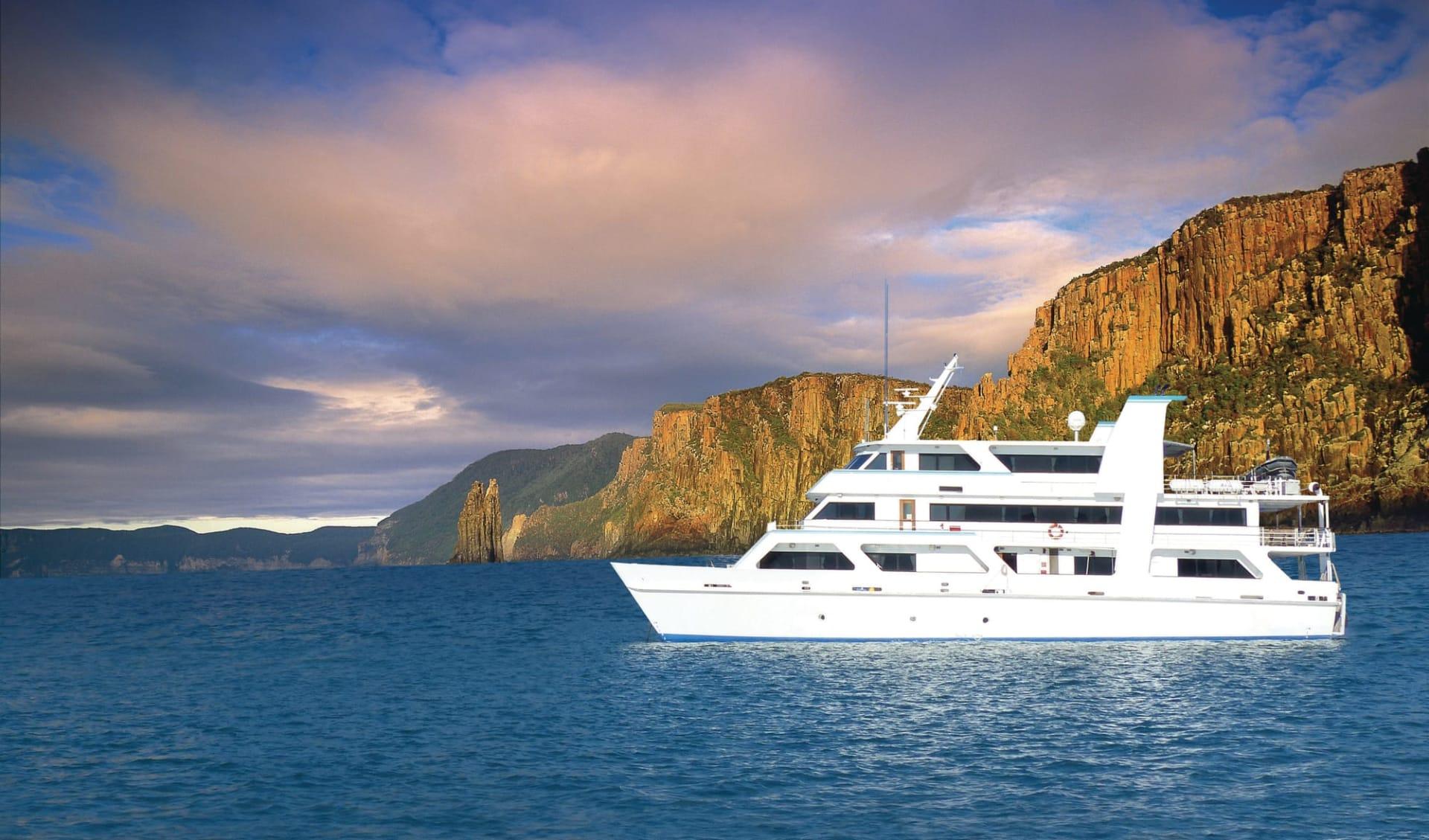 Coral Expeditions / Tasmanien ab Hobart: Australia - Tasmania - Tasman NP - Coral Expeditions I