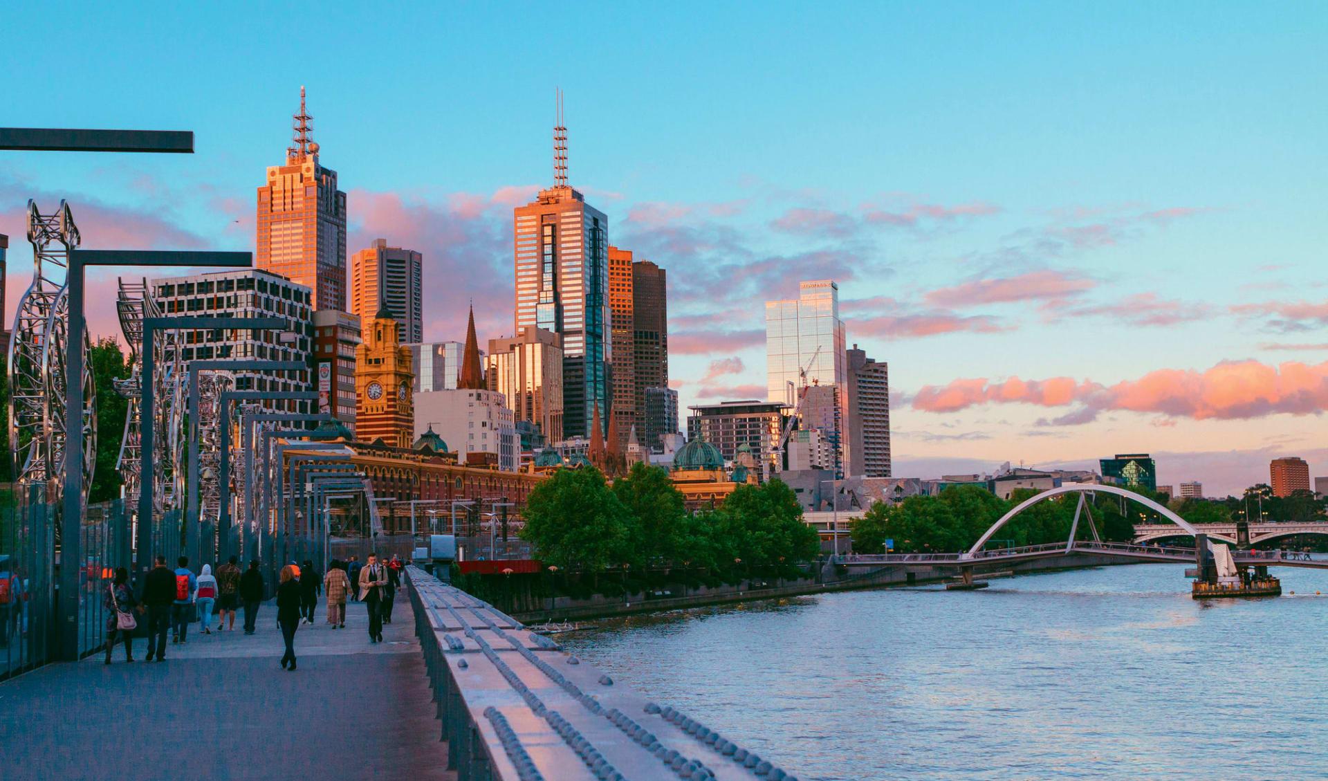 Faszination Australien (AAT Kings) ab Melbourne: Australia - Victoria - Melbourne - Skyline und Boardwalk
