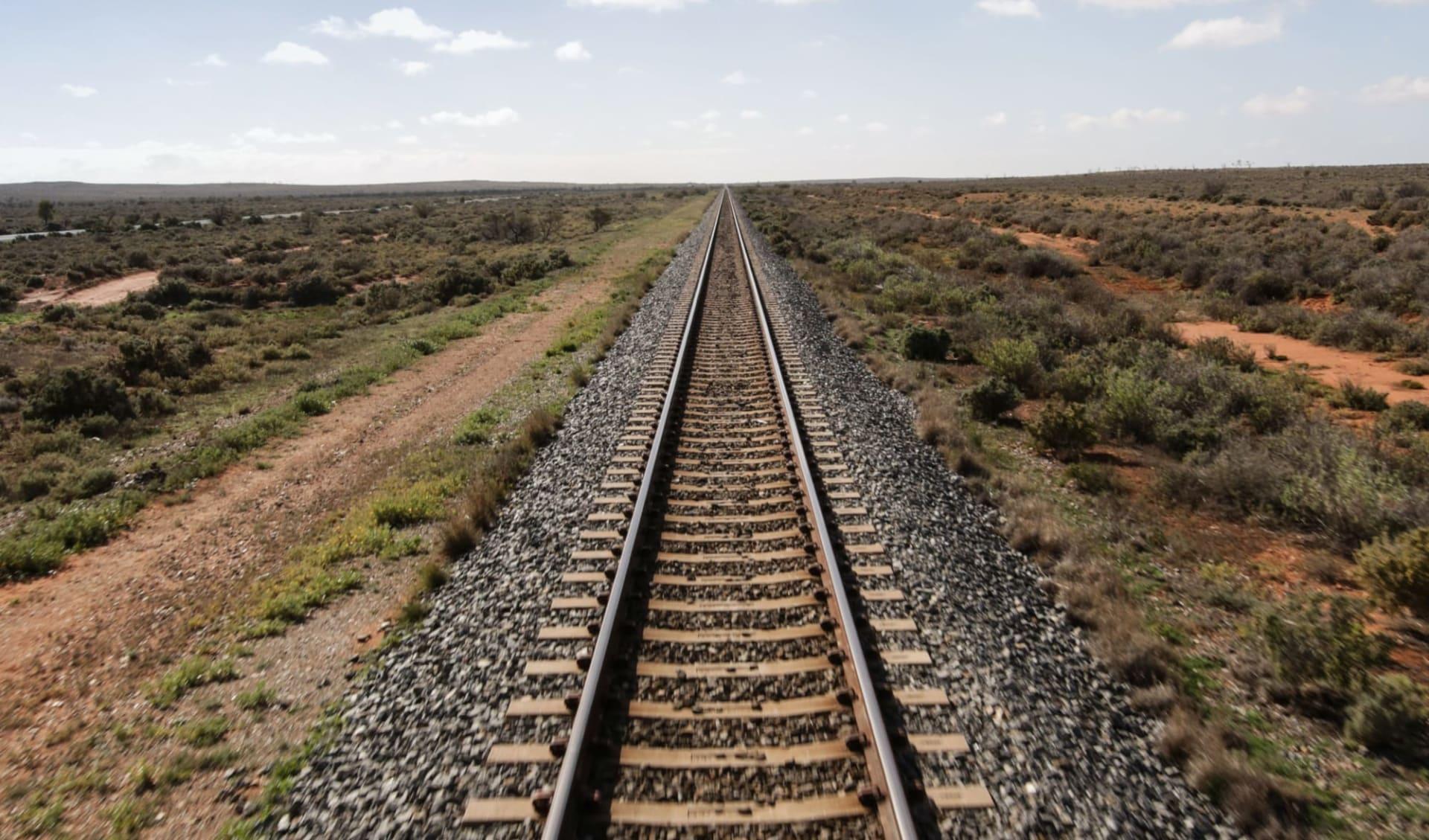 Indian Pacific von Sydney nach Perth: Australien - Bahnreisen - Indian Pacific Gleis