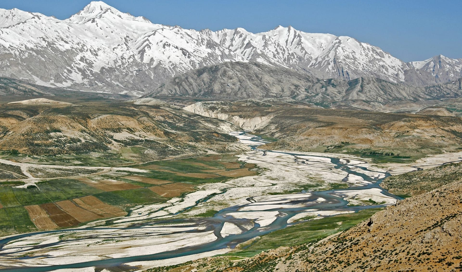 Skifahren in Persien ab Teheran: Zagros mountains - Iran