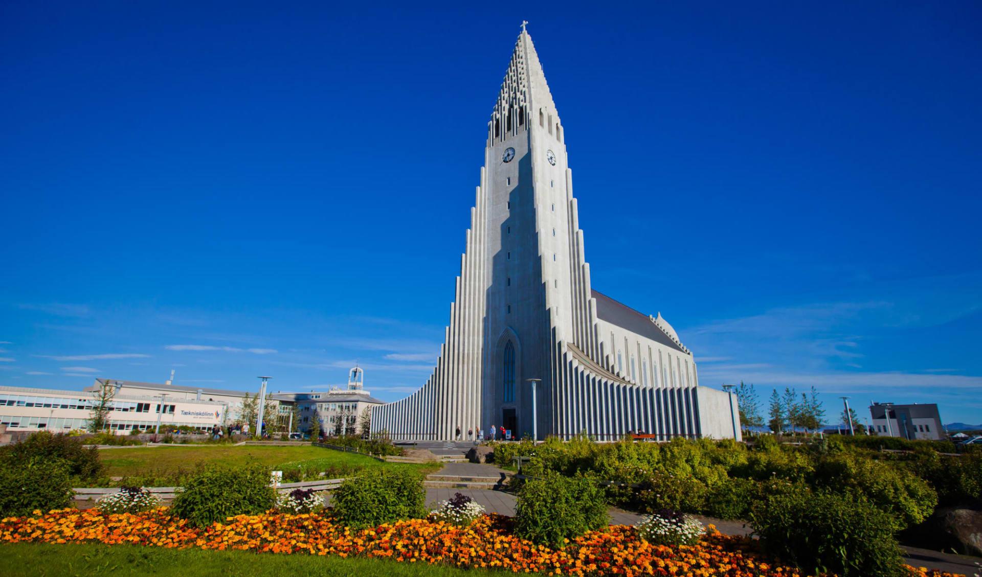 Kea Skuggi in Reykjavik: Beautiful super wide-angle aerial view of Reykjavik