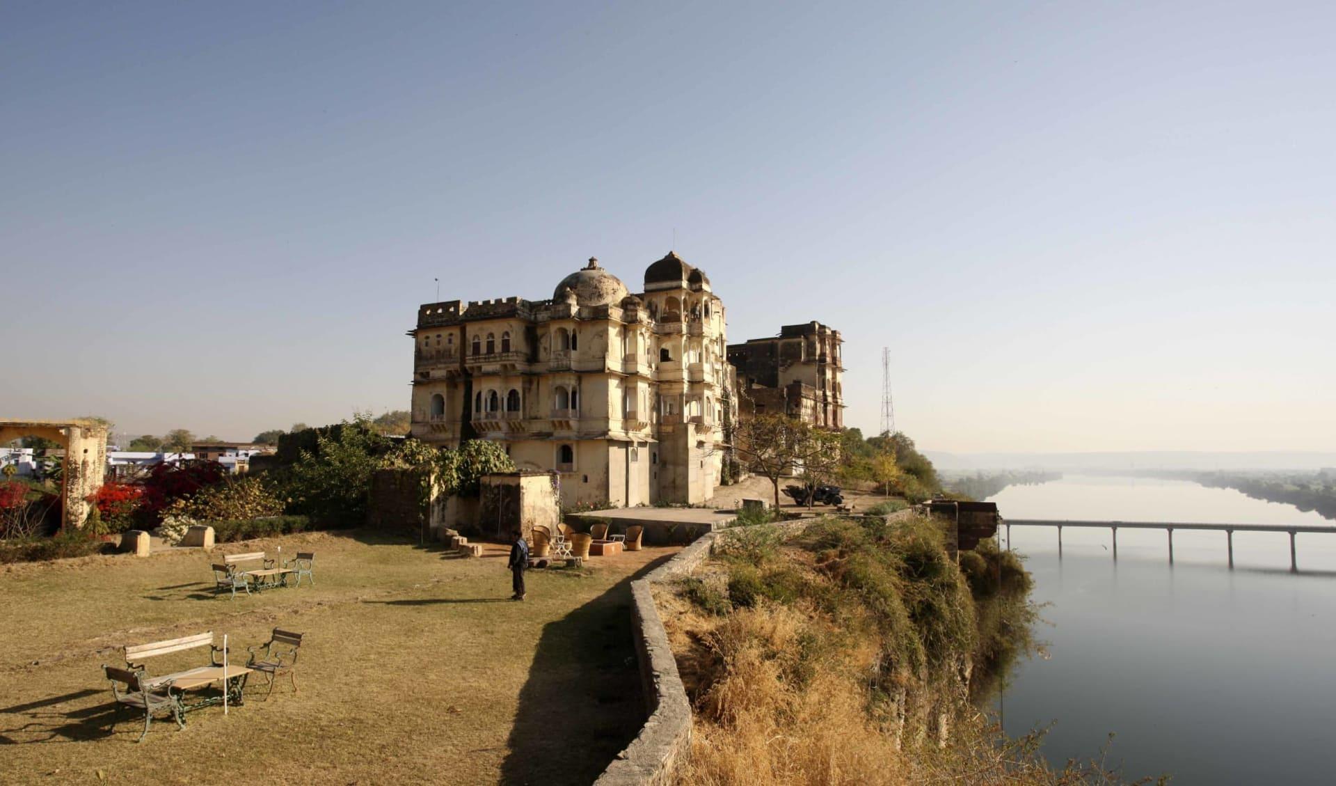 Märchenhaftes Rajasthan ab Delhi: Bhainsrorgarh Fort Hotel