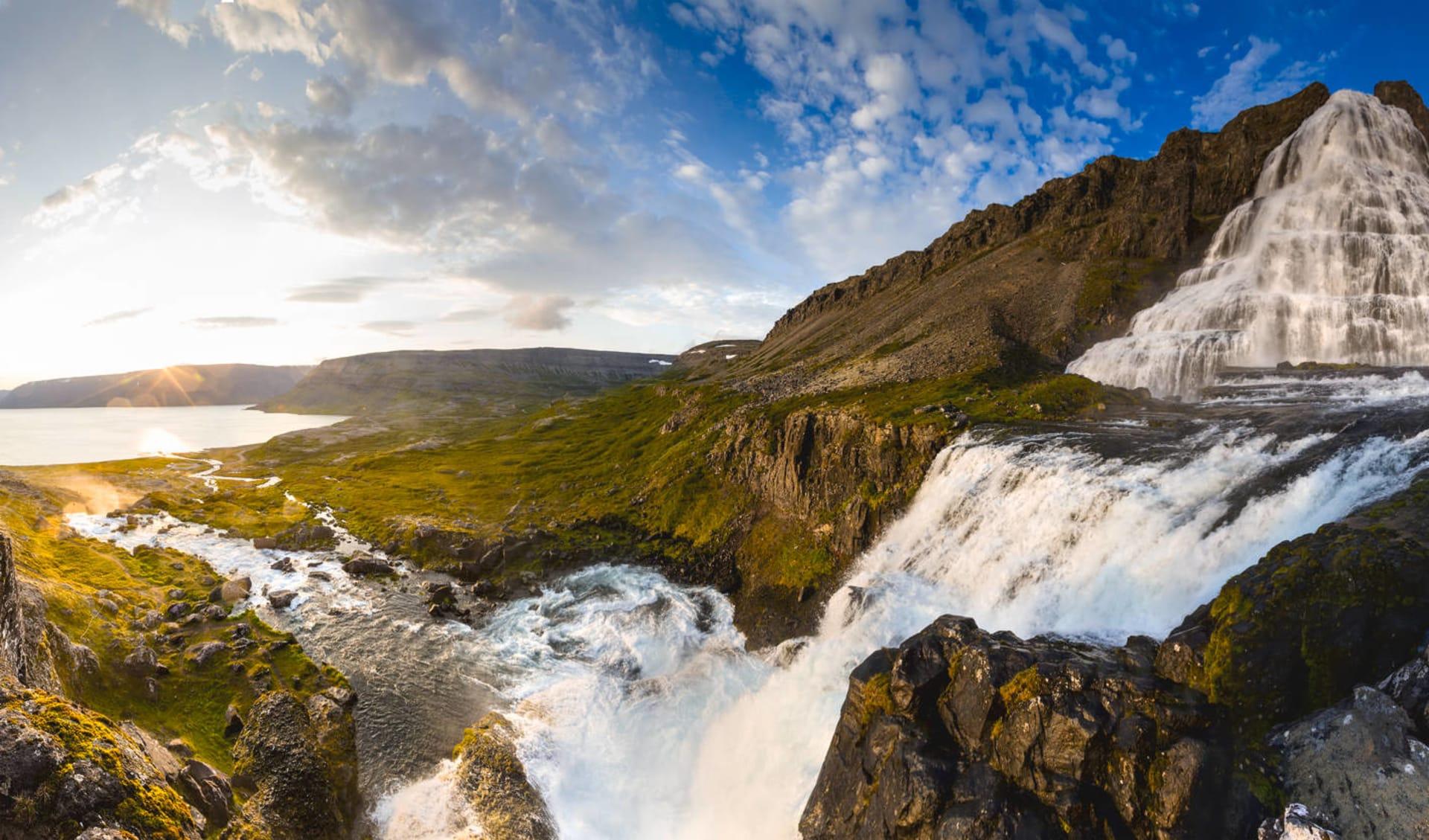 Hotel Látrabjarg in Patreksfjördur: Big Dynjandi waterfall in Iceland
