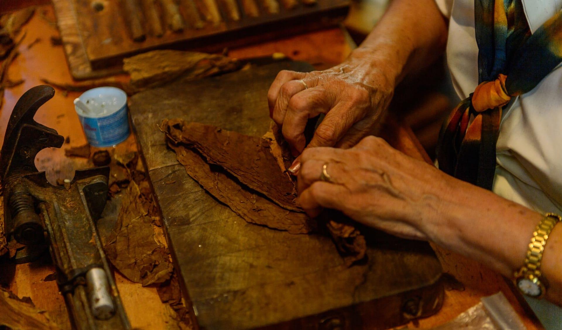 Premium: Cuba Selection ab Havanna: Cuba_Zigarren rollen