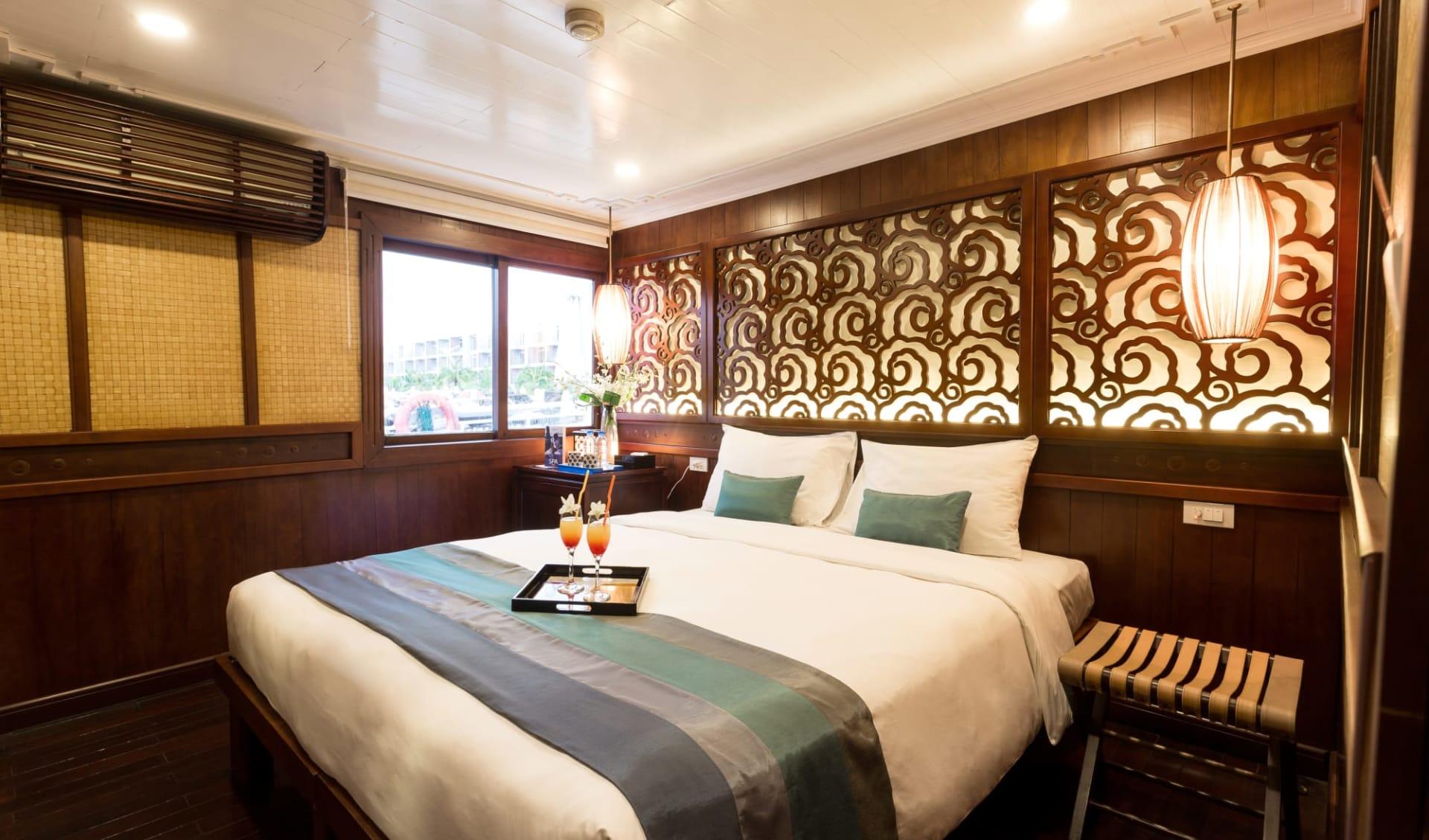 Halong Bucht Kreuzfahrten mit «Bhaya Classic» ab Hanoi: Deluxe Cabin double