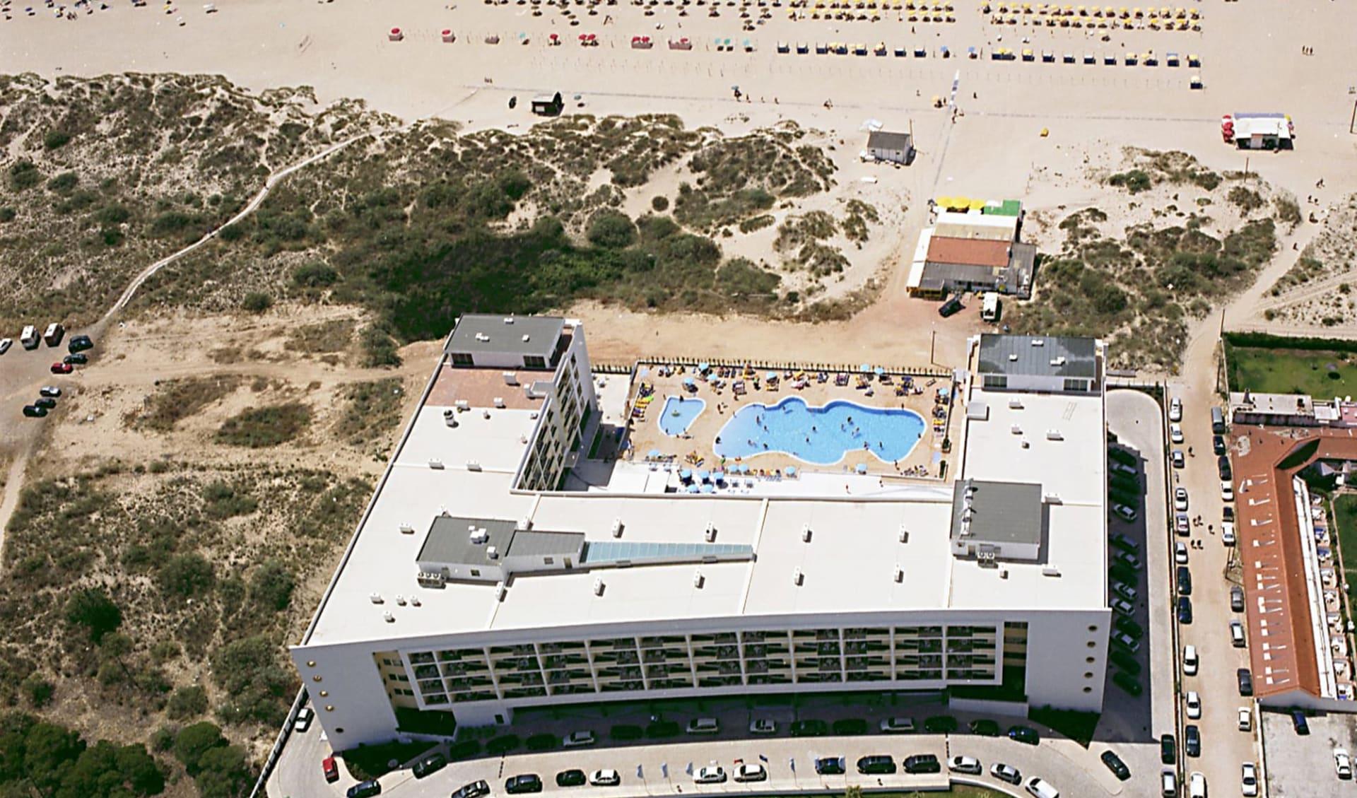 Monte Gordo - Hotel & Apartamentos Dunamar ab Vilamoura: DUNAMAR AEREA NORTE SUL